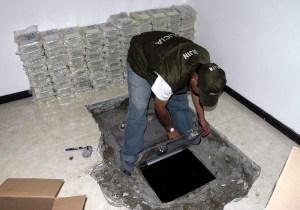 Police seizure of Chupeta's hidden money reserve, 2007