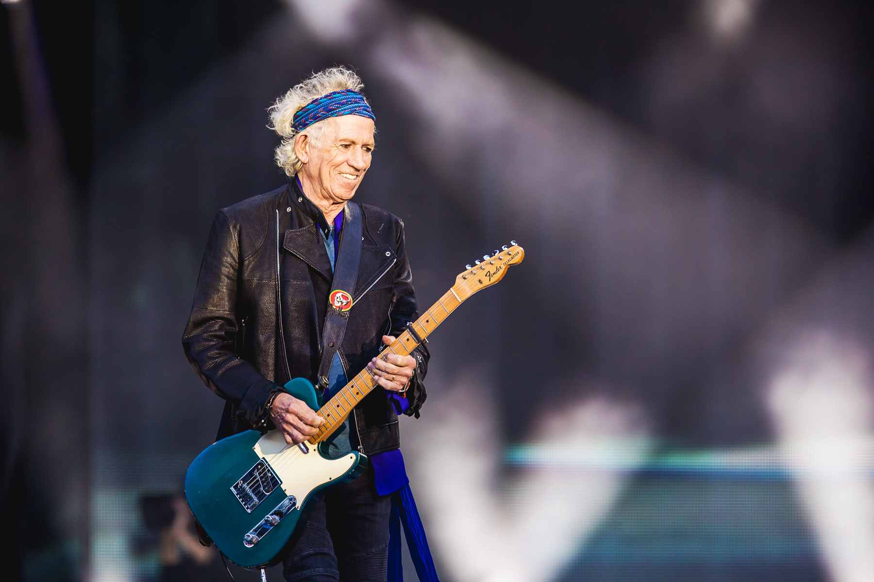 742c7e2863283 Keith Richards with The Rolling Stones in concert at Old Trafford