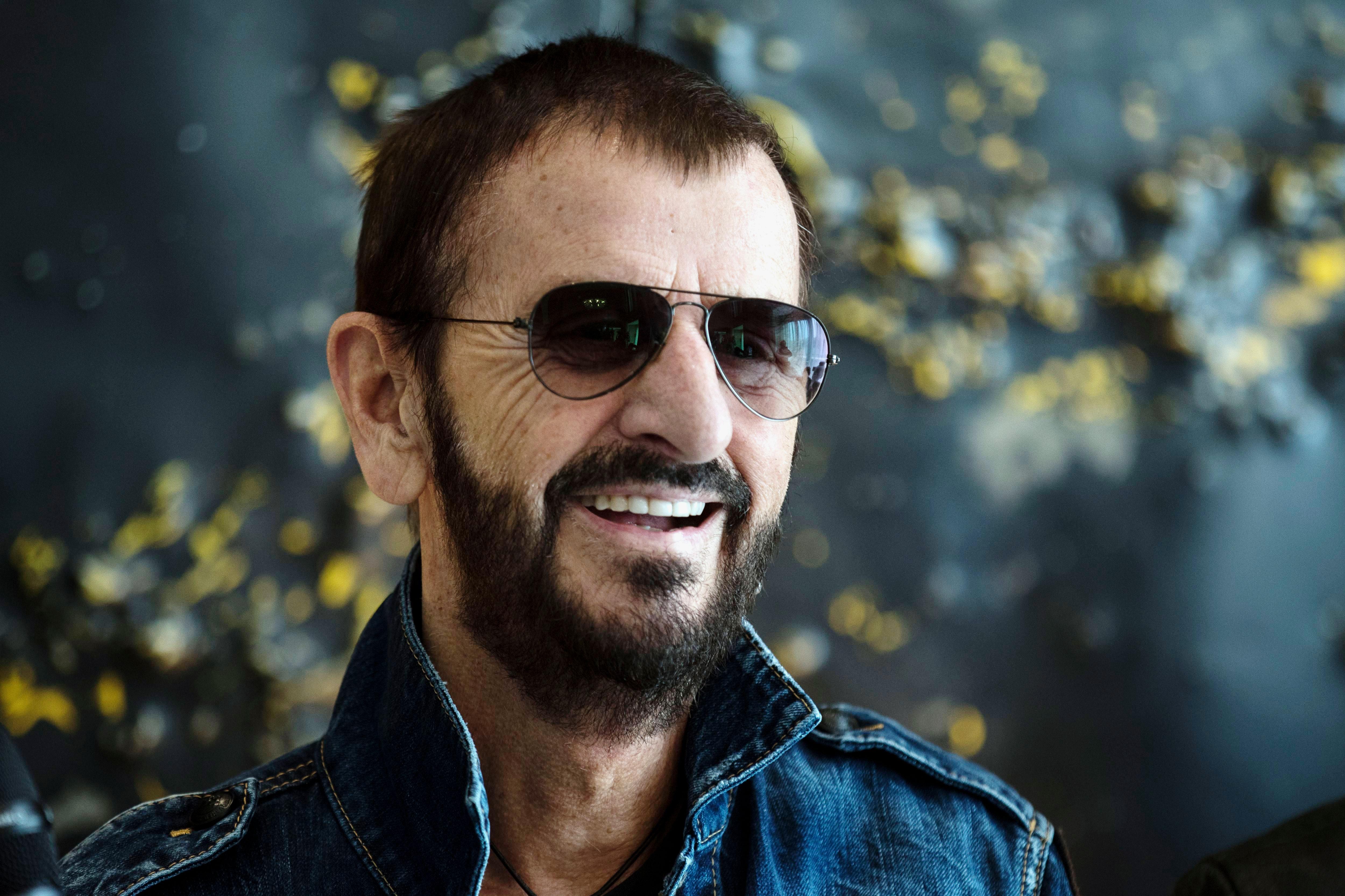 """The Beatles Polska: Ringo Starr: """"Musimy dziękować Gilesowi Martinowi""""  - wywiad dla Rolling Stone"""