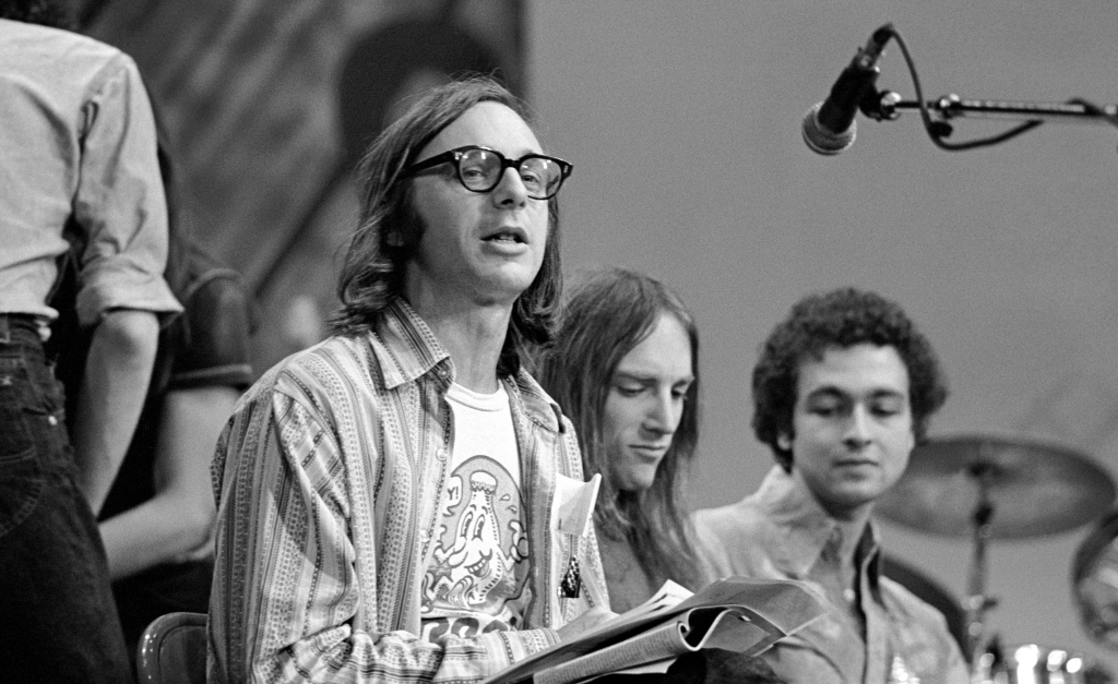 Music critic Robert Christgau and drummer Chris Cutler (Henry Cow/Art Bears/Pere Ubu) at Giorgio Gomelsky's Zu Festival at the Entermedia Theater in New York City on October 17, 1978. (Photo by Ebet Roberts/Redferns)