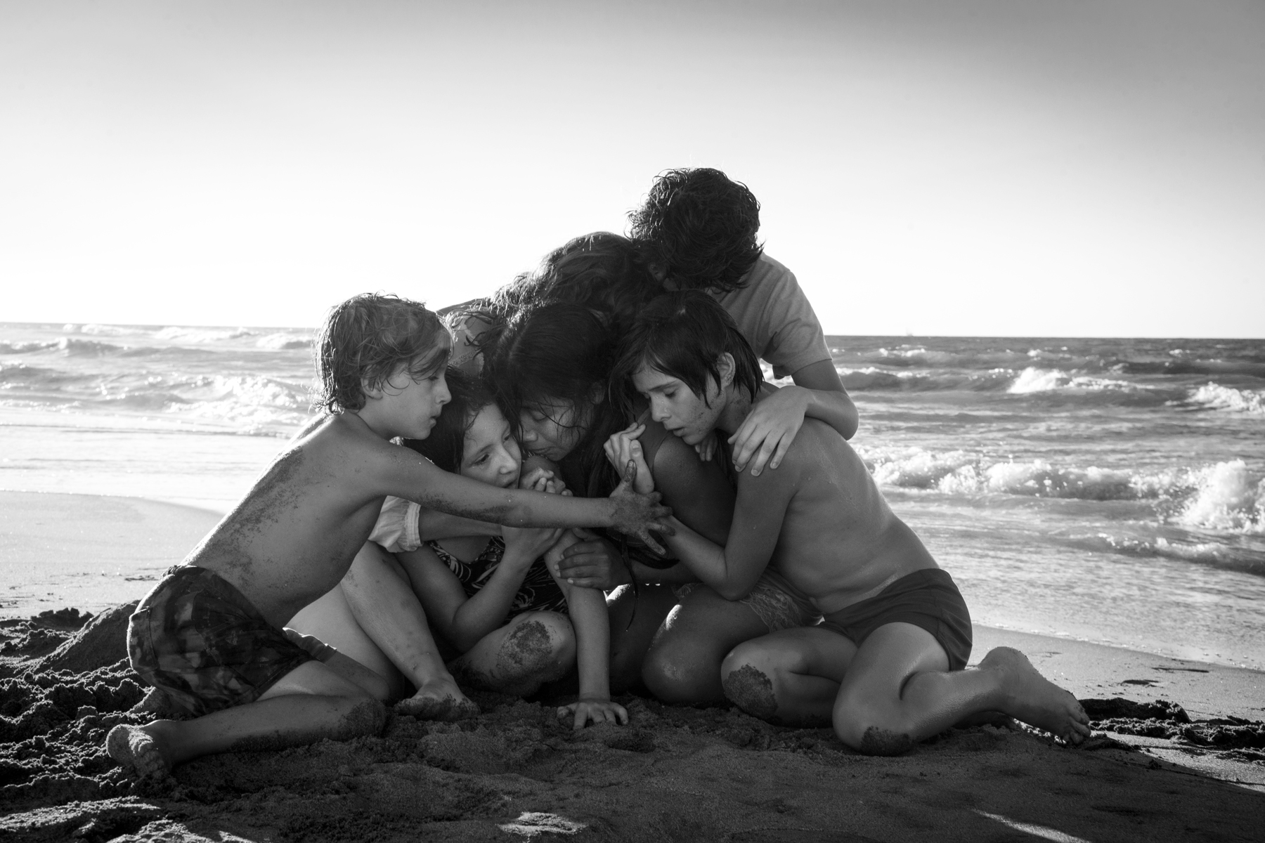 'Roma' Review: Alfonso Cuaron Makes His Masterpiece