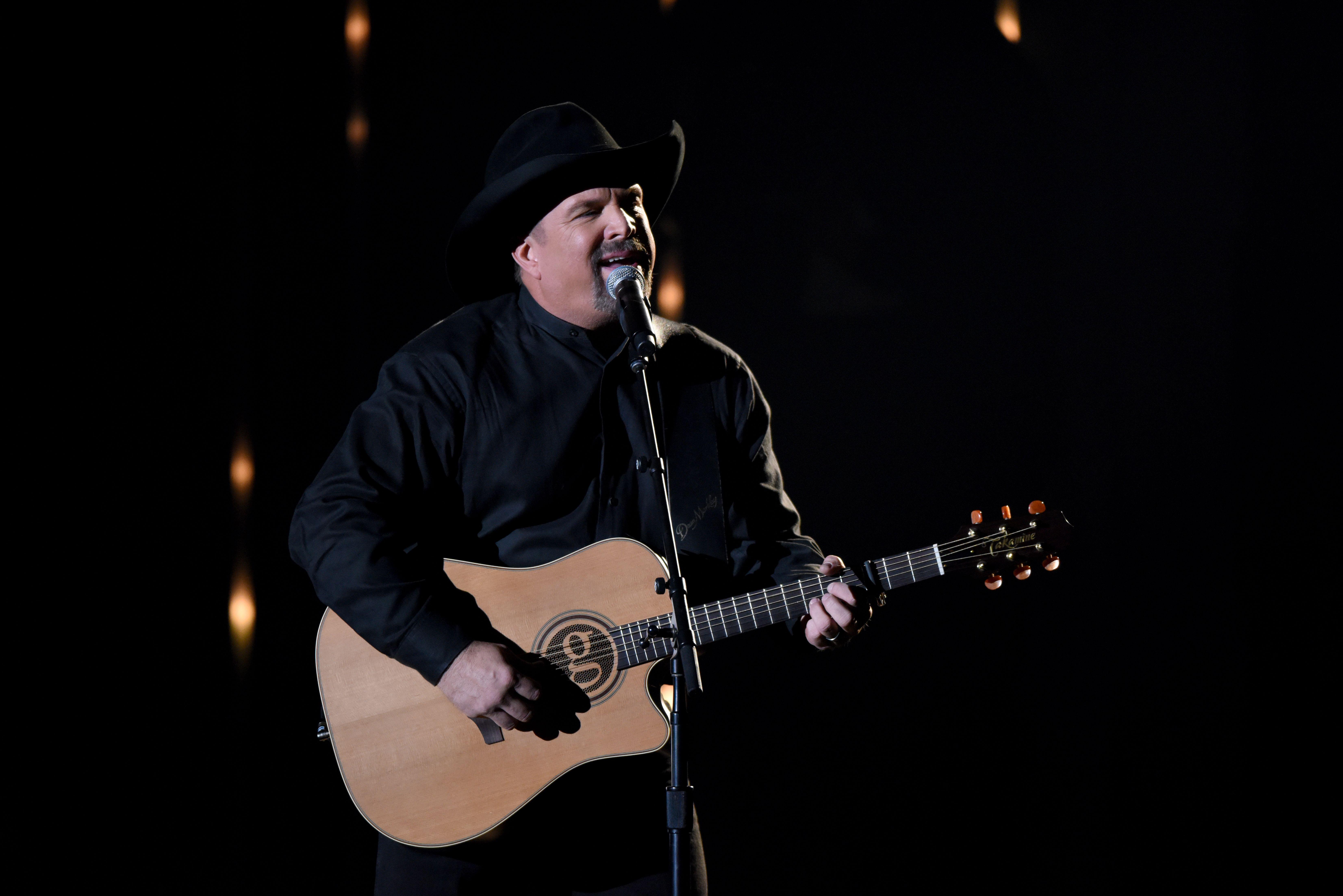 See Garth Brooks' Emotional 'Stronger Than Me' at CMA Awards