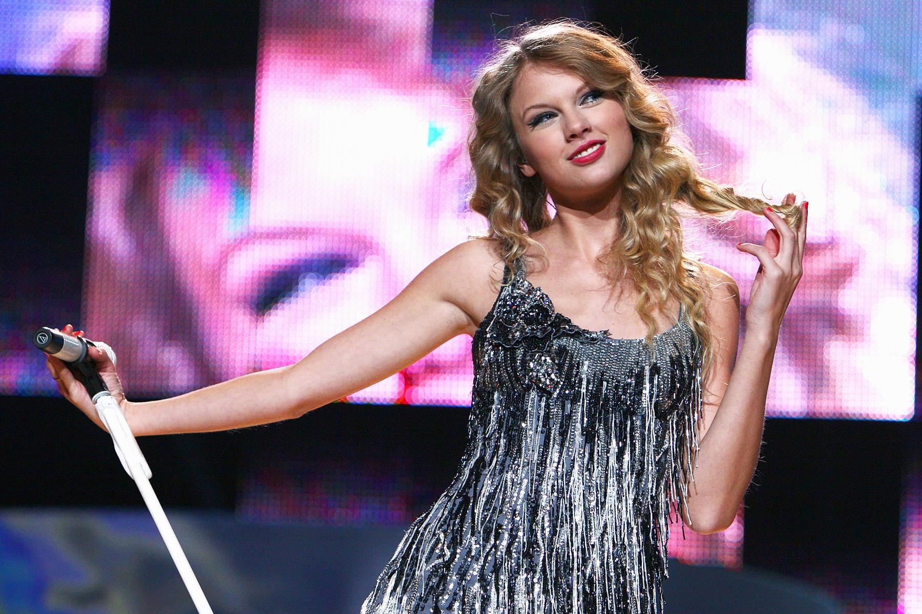 ded89ba9431 Taylor Swift