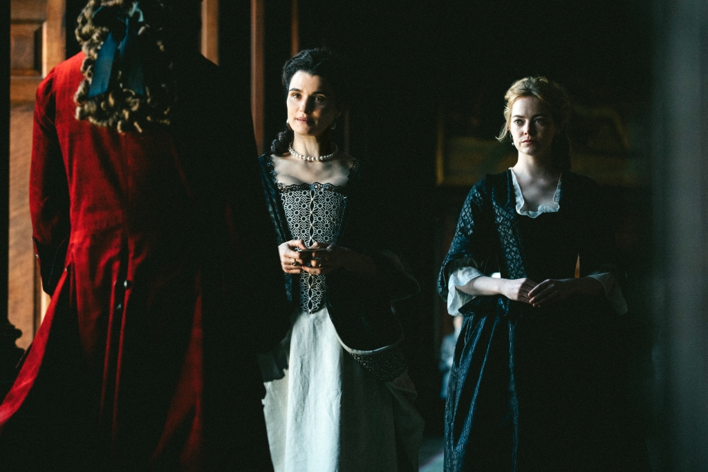 Rachel Weisz and Emma Stone in the film THE FAVOURITE. Photo by Atsushi Nishijima. © 2018 Twentieth Century Fox Film Corporation All Rights Reserved