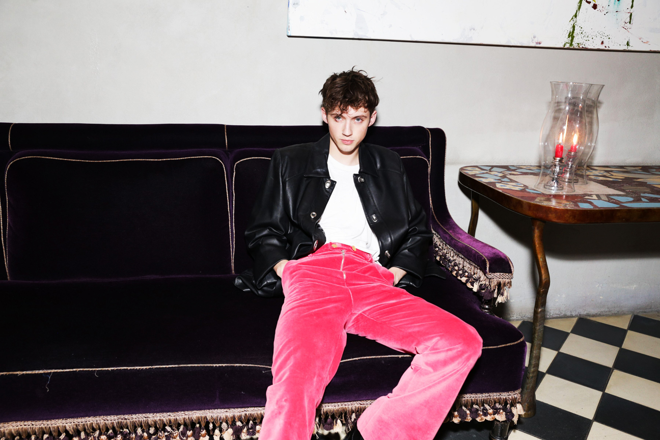 Troye Sivan Photographed At Gramercy Park Hotel New York 2017