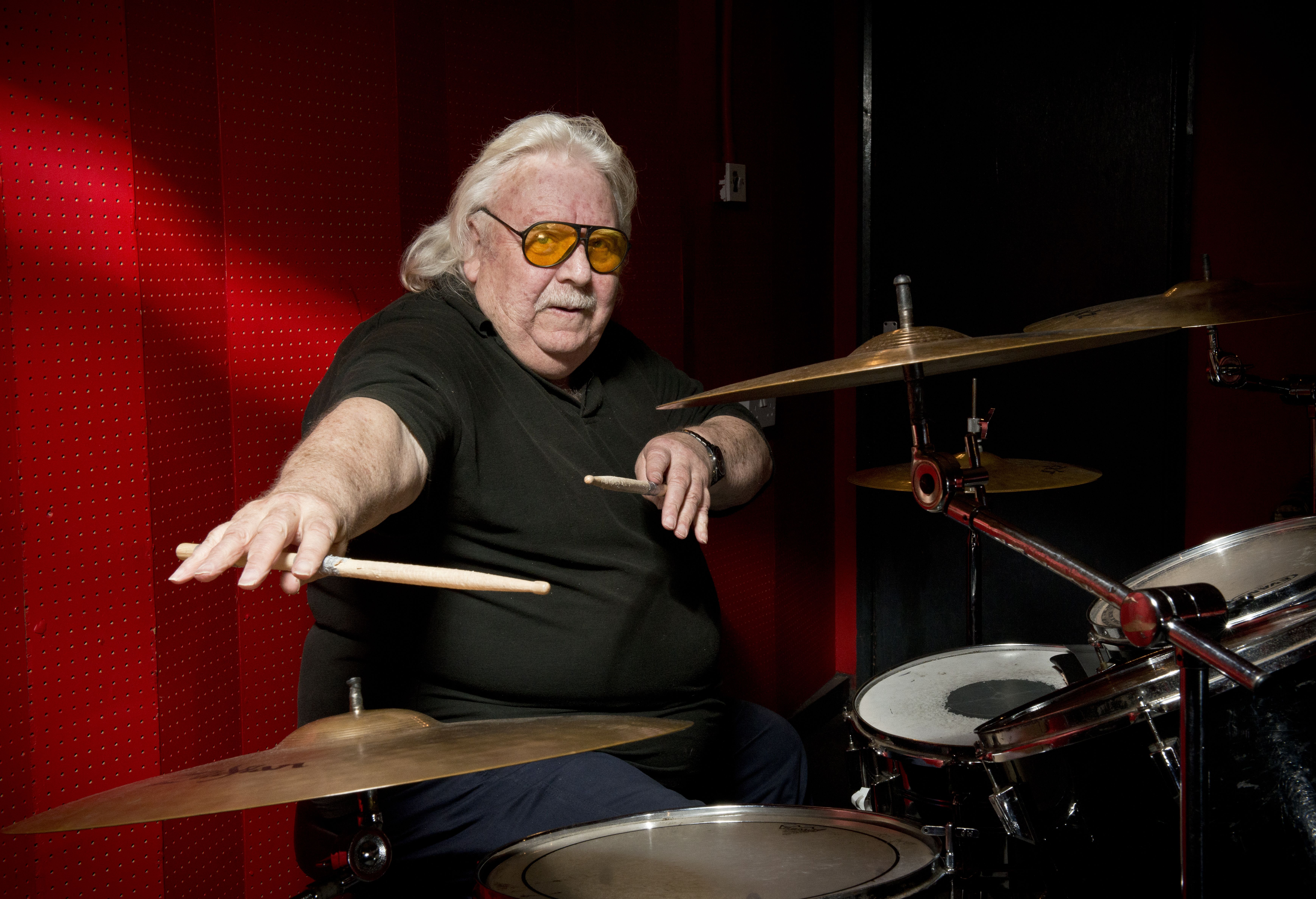 Terminally Ill Lee Kerslake Asks Ozzy Osbourne for Platinum Discs: 'It's on My Bucket List'