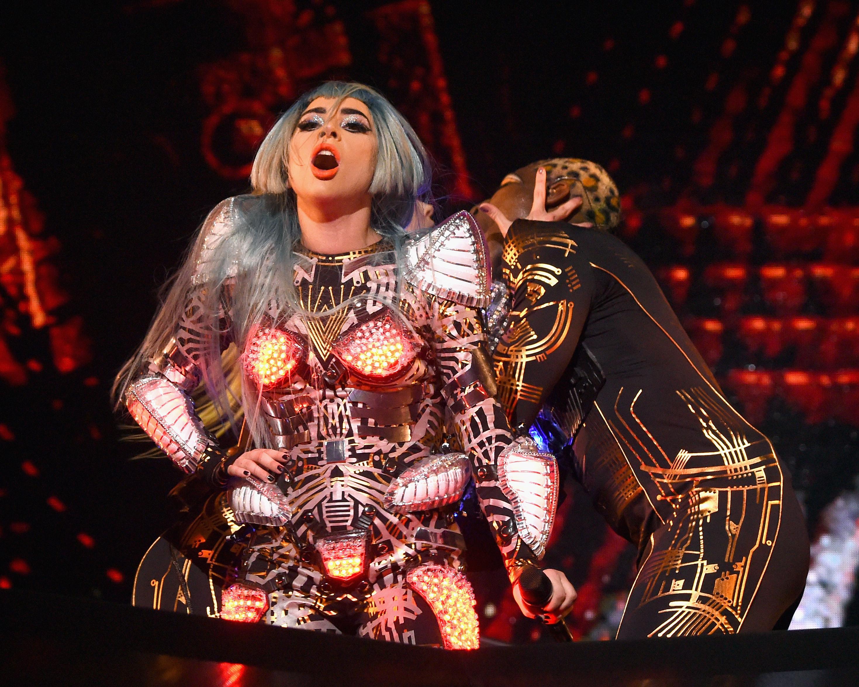 5b58926760d14 Review  Lady Gaga Maintains  Poker Face  During Stellar Vegas Debut ...