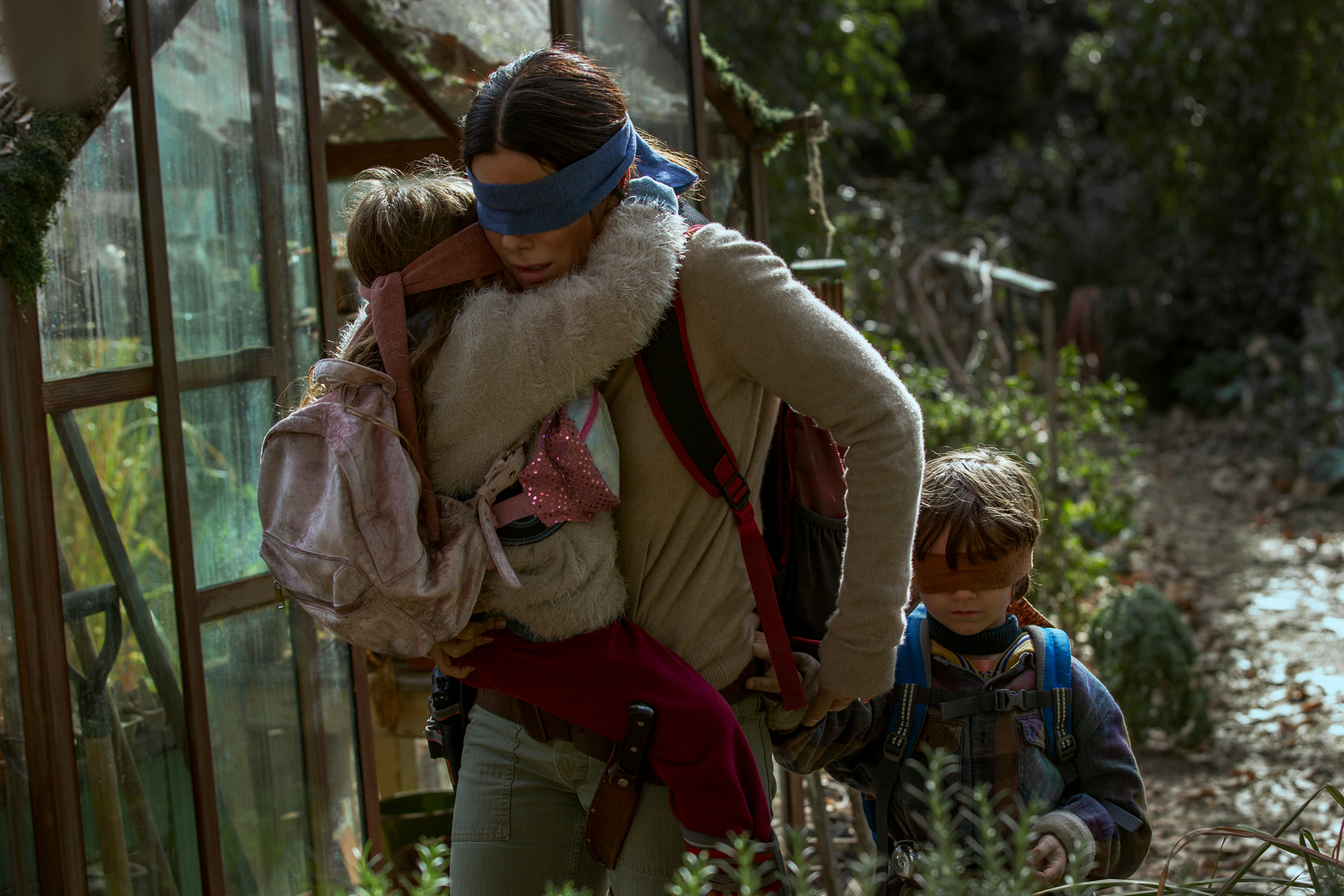 Bird Box Review Don T Be Afraid Of The Dark Rolling Stone