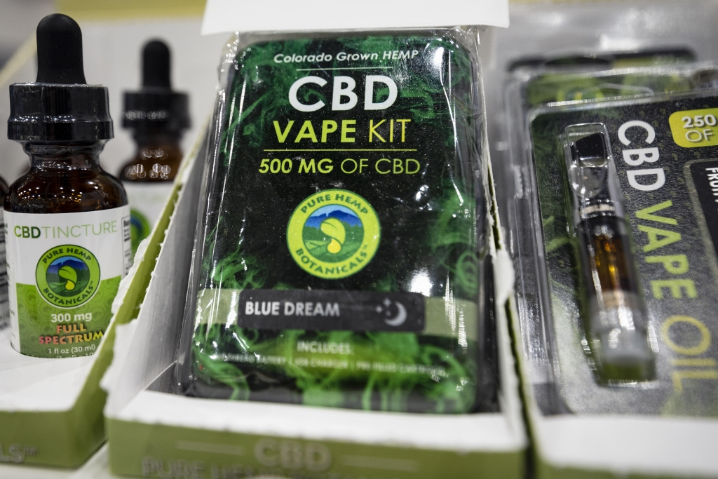 September 27, 2018 - Los Angeles, California, Spain - CBD vape kit is displayed during Cannabis World Congress & Business Expo in Los Angeles, California on September 27, 2018. The annual Cannabis World Congress & Business Exposition is a business-to-business trade show event for the legalized cannabis industry. (Credit Image: © Ronen Tivony/NurPhoto/ZUMA Press)