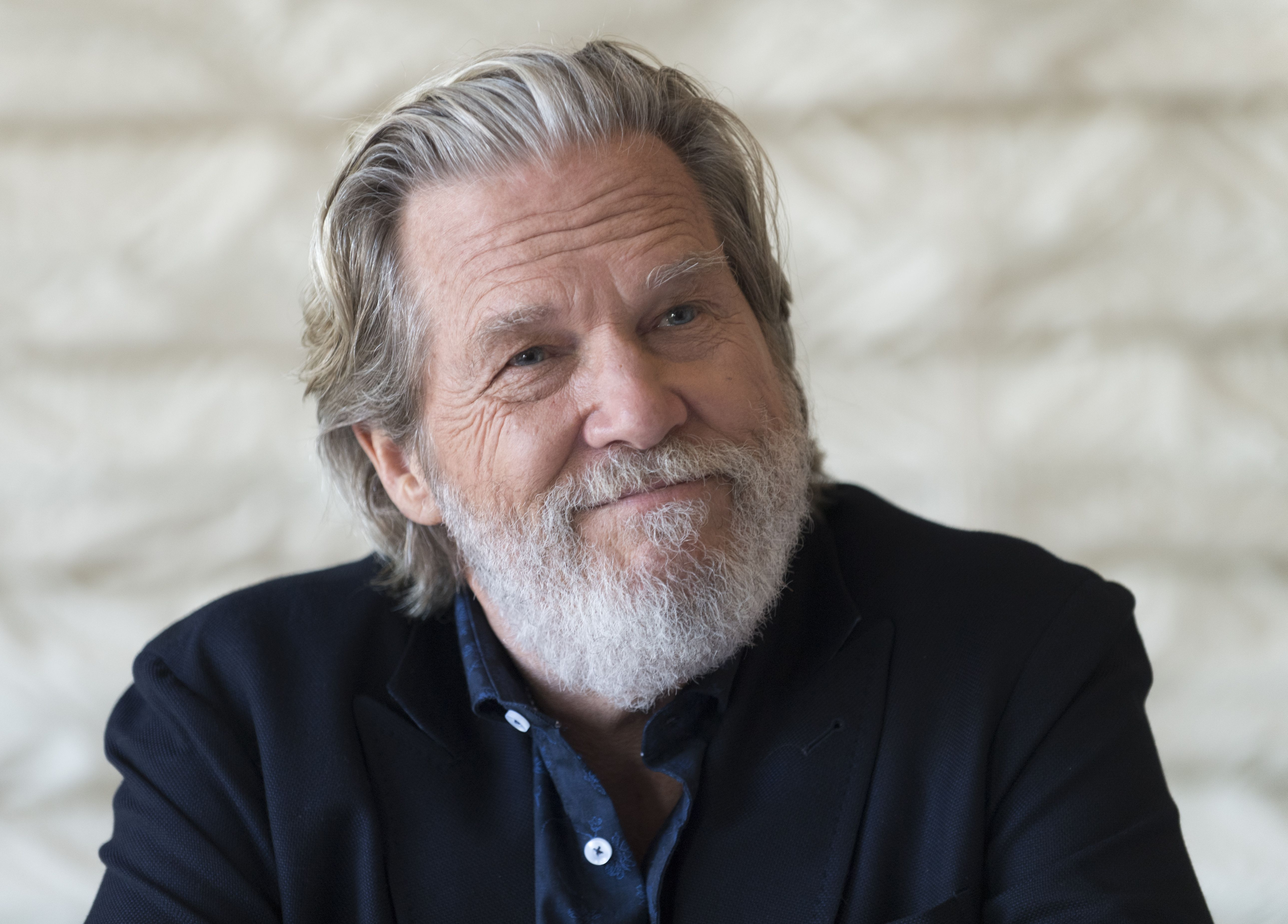 Jeff Bridges To Abide Over Golden Globes With Cecil B ...