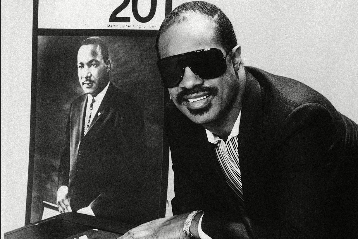 See Stevie Wonder Sing Happy Birthday For Martin Luther King Jr