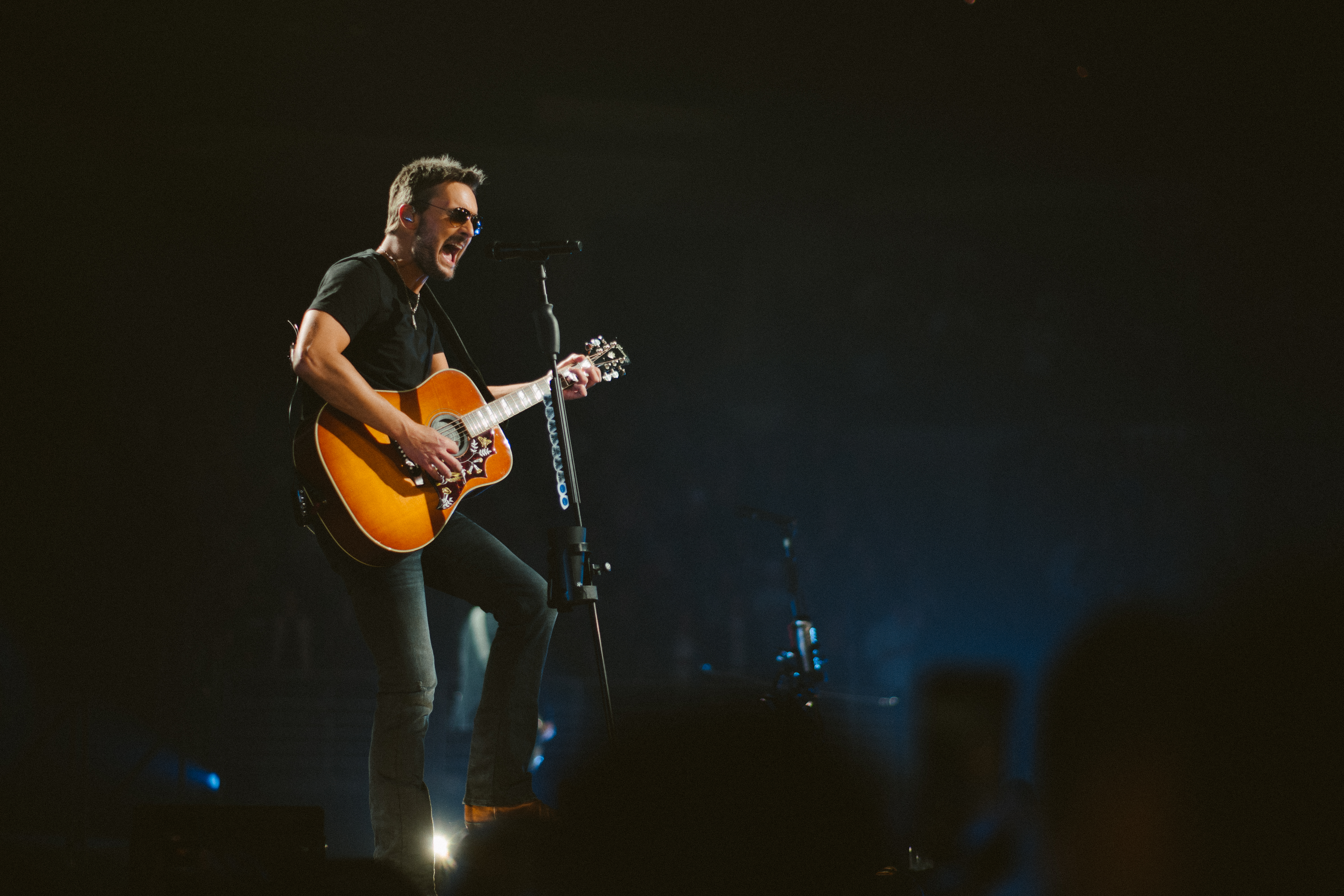 Review Eric Church Kicks Off Double Down Tour In Omaha Rolling Stone