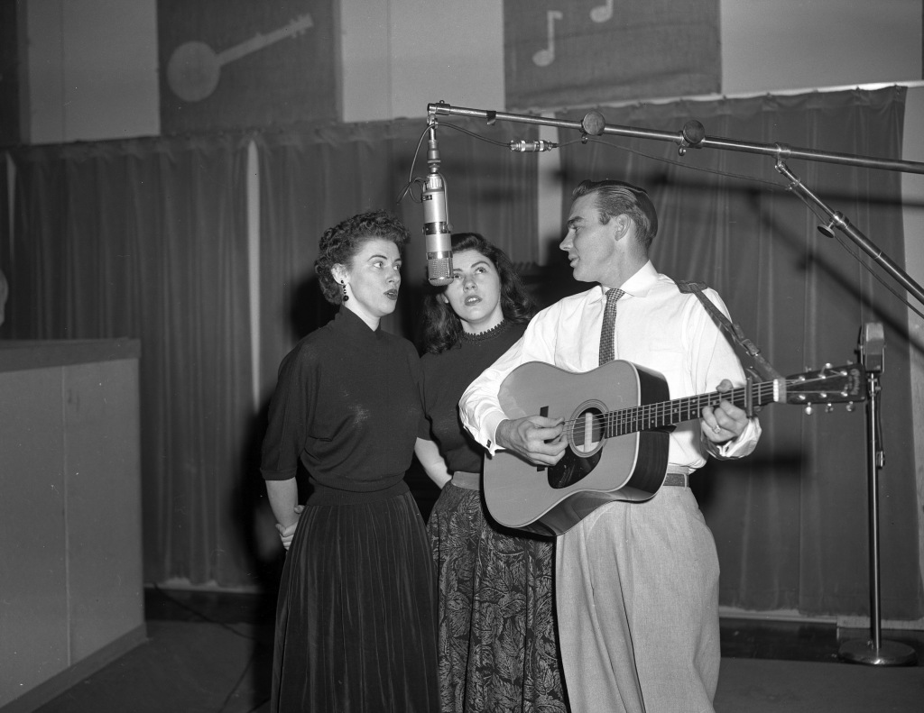 Maxine Brown (left), a member of the Country Music Hall of Fame sibling group, The Browns.