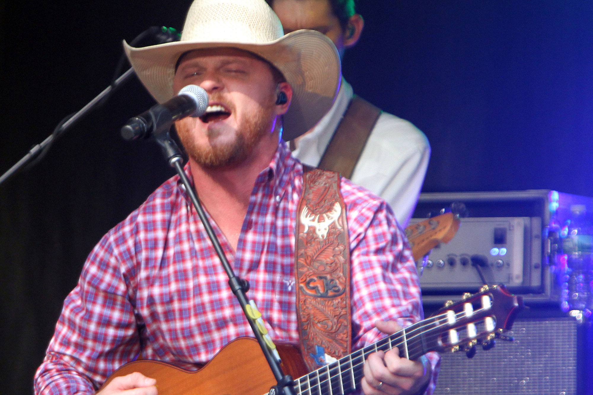 cody johnson sings on my way to you on today rolling stone. Black Bedroom Furniture Sets. Home Design Ideas