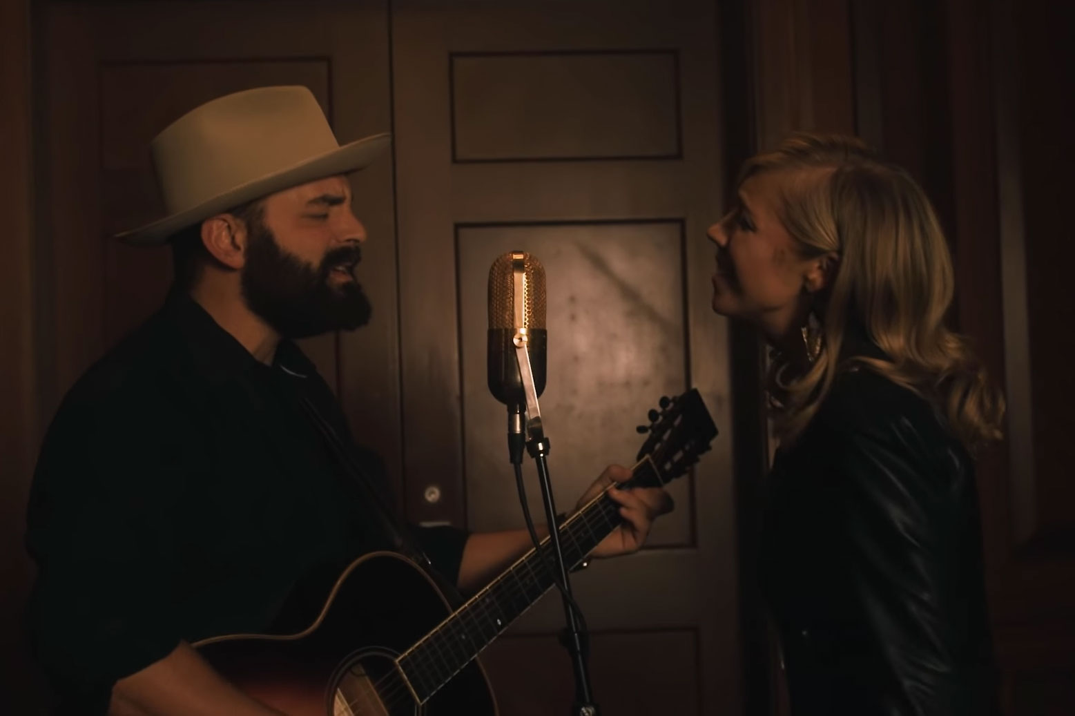 1af465ccd855 See Drew and Ellie Holcomb's 'Electricity' Video – Rolling Stone