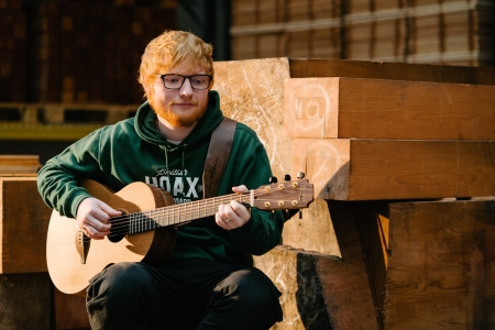 ed sheeran announces signature handmade acoustic guitar brand rolling stone. Black Bedroom Furniture Sets. Home Design Ideas
