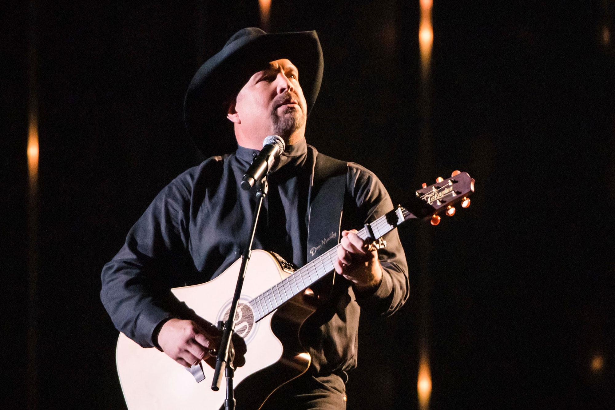 Garth Brooks Preps New Album 'Fun' – Rolling Stone