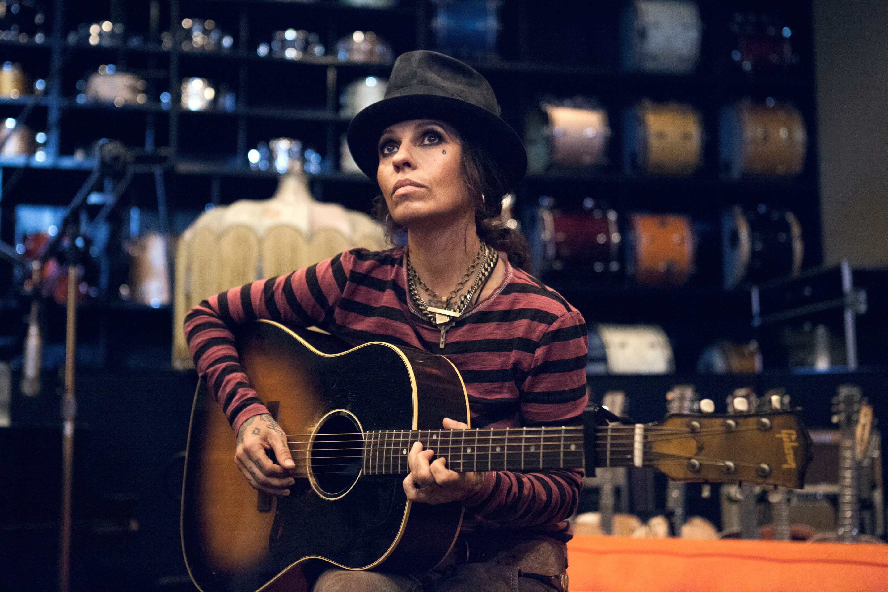 Who is linda perry dating now