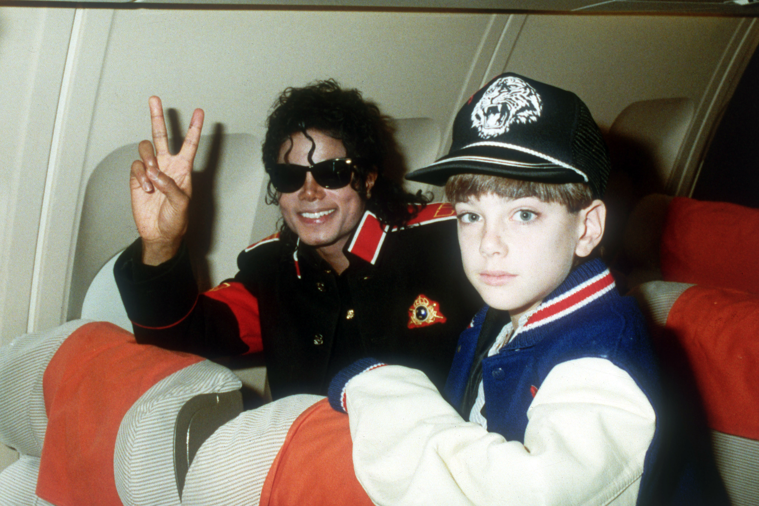 4f5b61d2e9d6 UNSPECIFIED - JULY 11  Michael Jackson with 10 year old Jimmy Suchcraft on  the tour