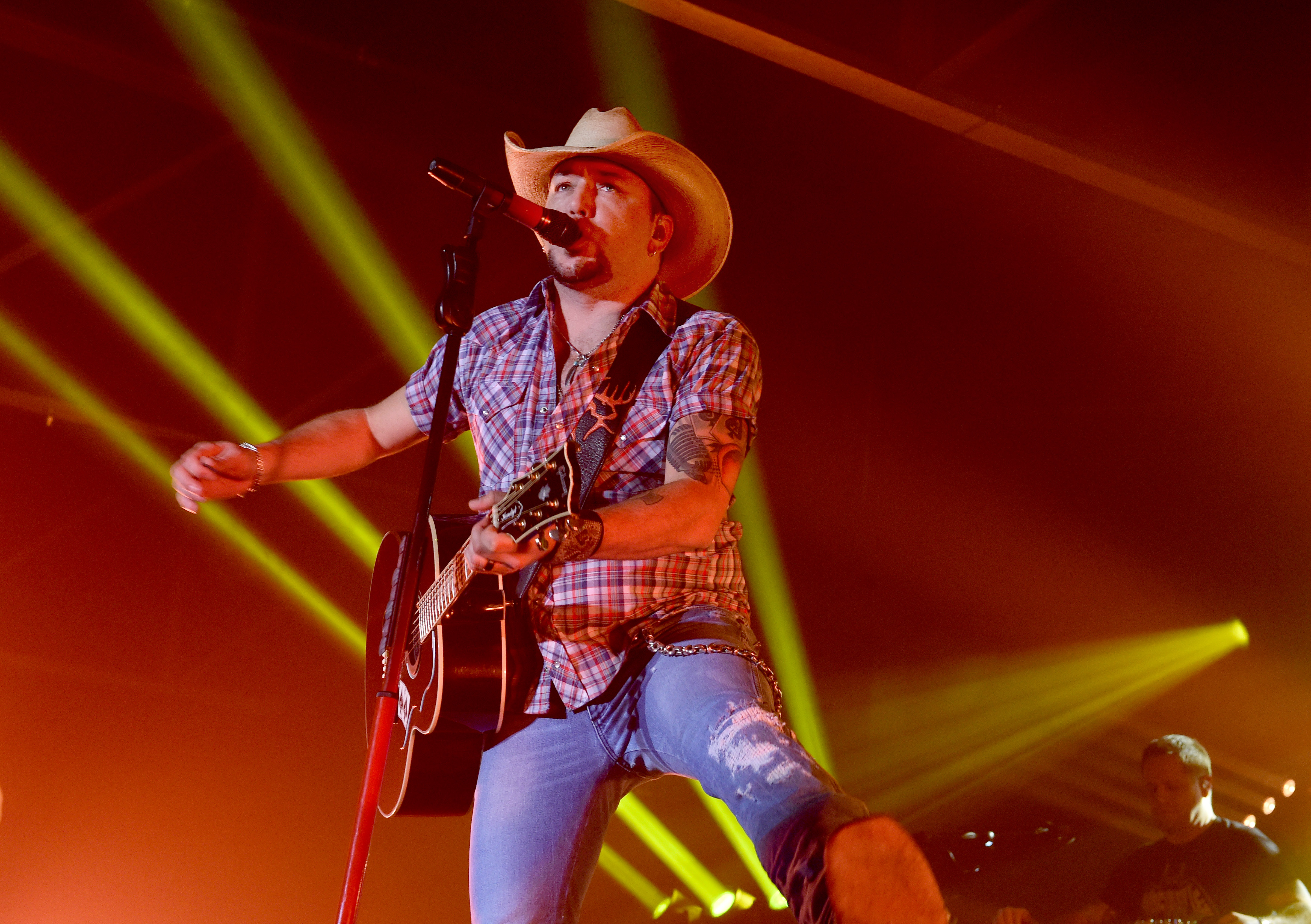 Jason Aldeans 2019 Ride All Night Tour See Tour Dates Rolling Stone
