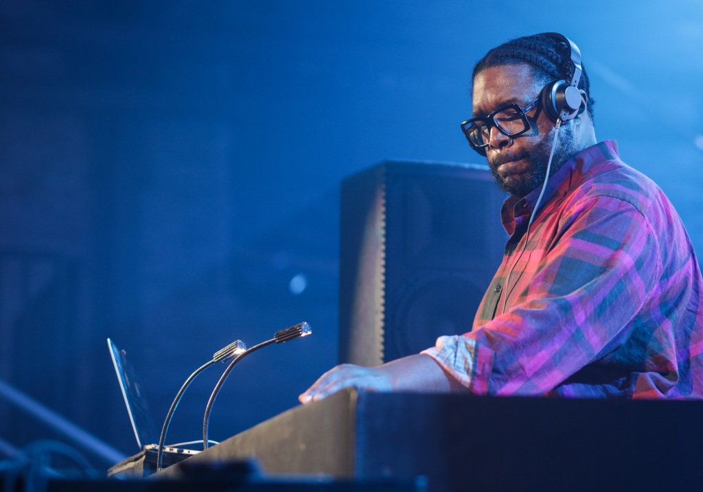DJ Questlove kept fans moving until the wee hours of the morning