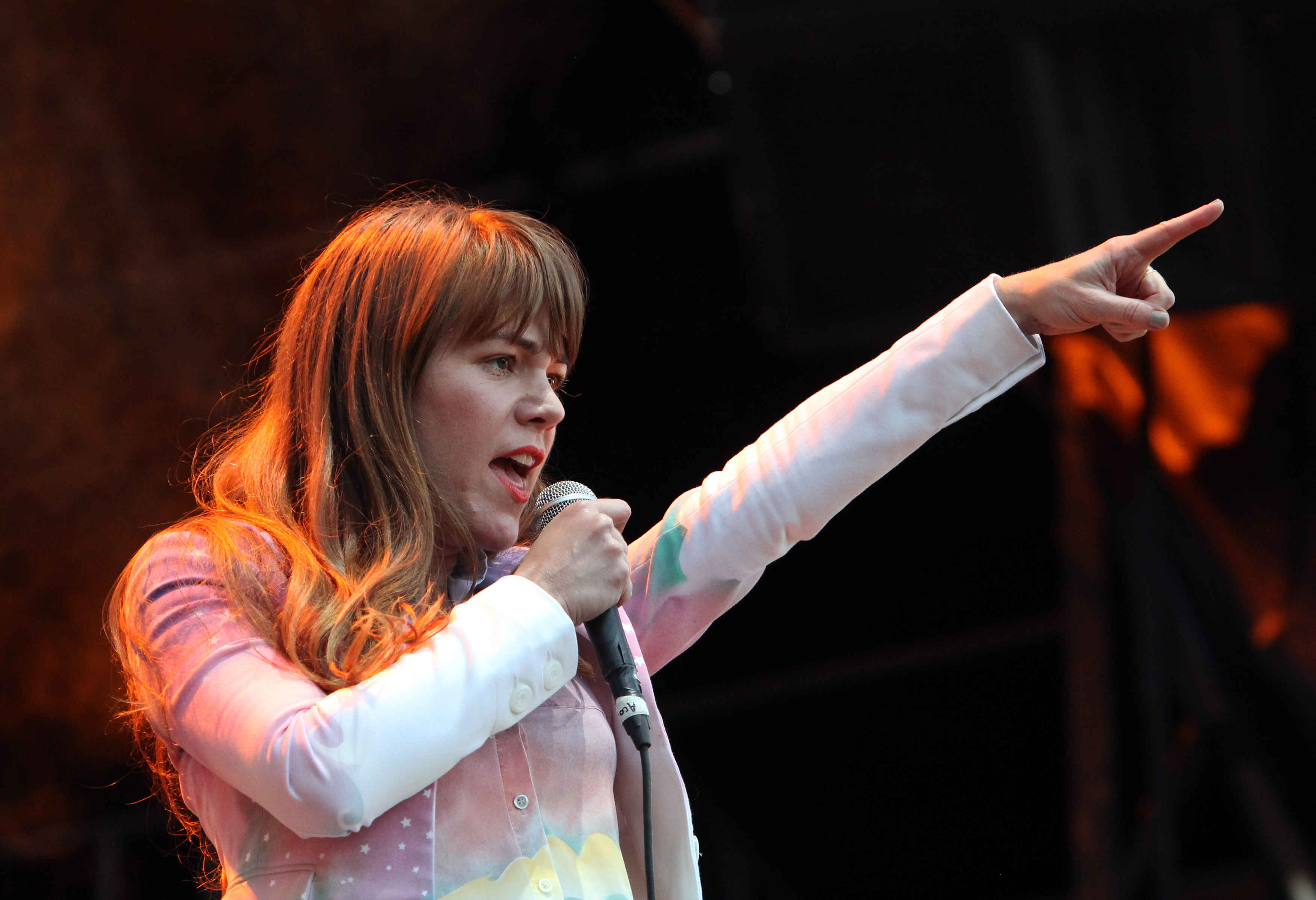 Ð?аÑ?Ñ?инки по запÑ?осÑ? Jenny Lewis 'Deeply Troubled' by Ryan Adams' Alleged Sexual Misconduct