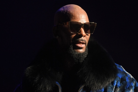 R  Kelly Charged With 10 Counts of Aggravated Criminal