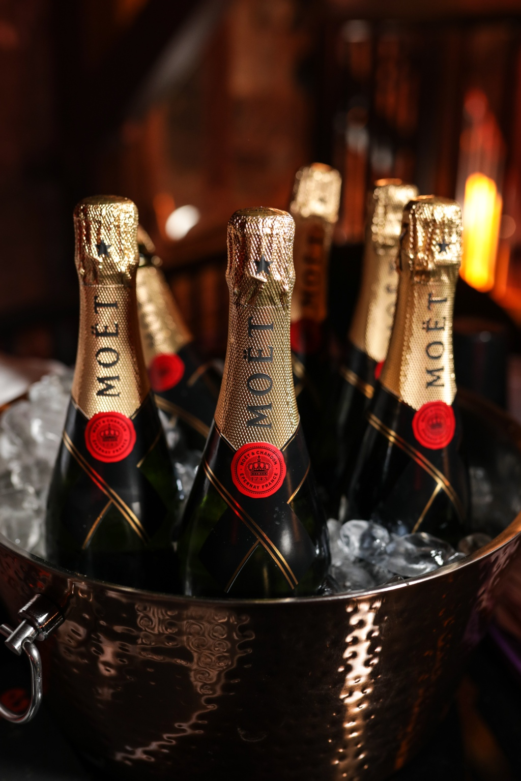 Moët kept fans' glasses full throughout the party