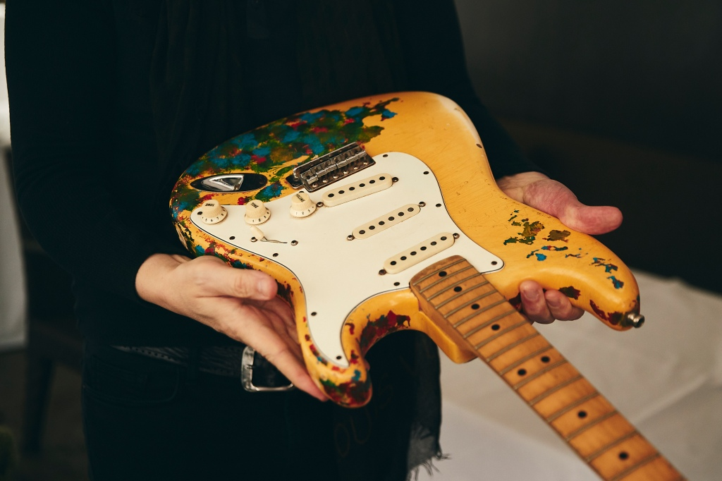 billy corgan lost guitar