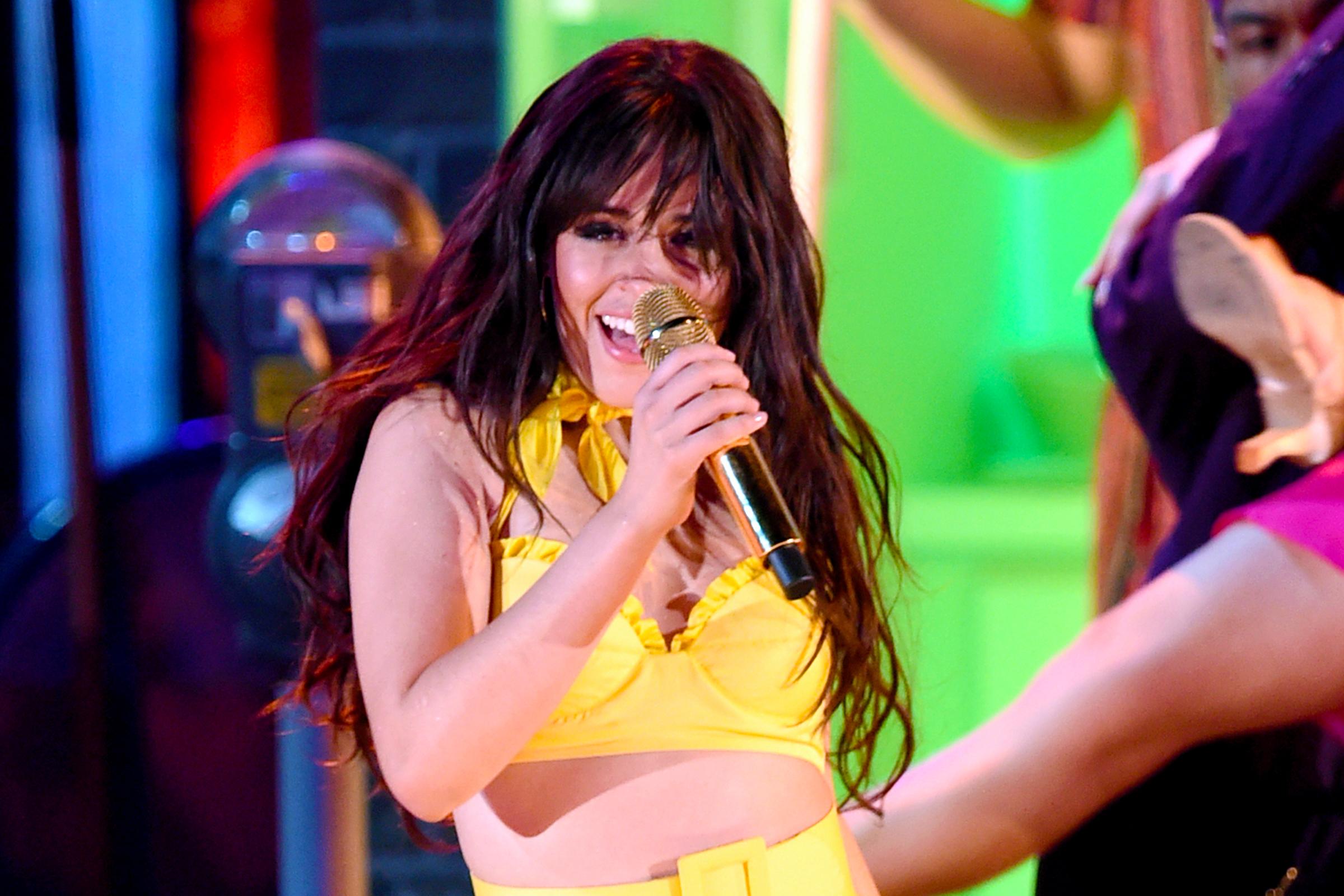 ac1da0ae815559 Grammys 2019  Watch Camila Cabello Open Show With Theatrical  Havana   Performance