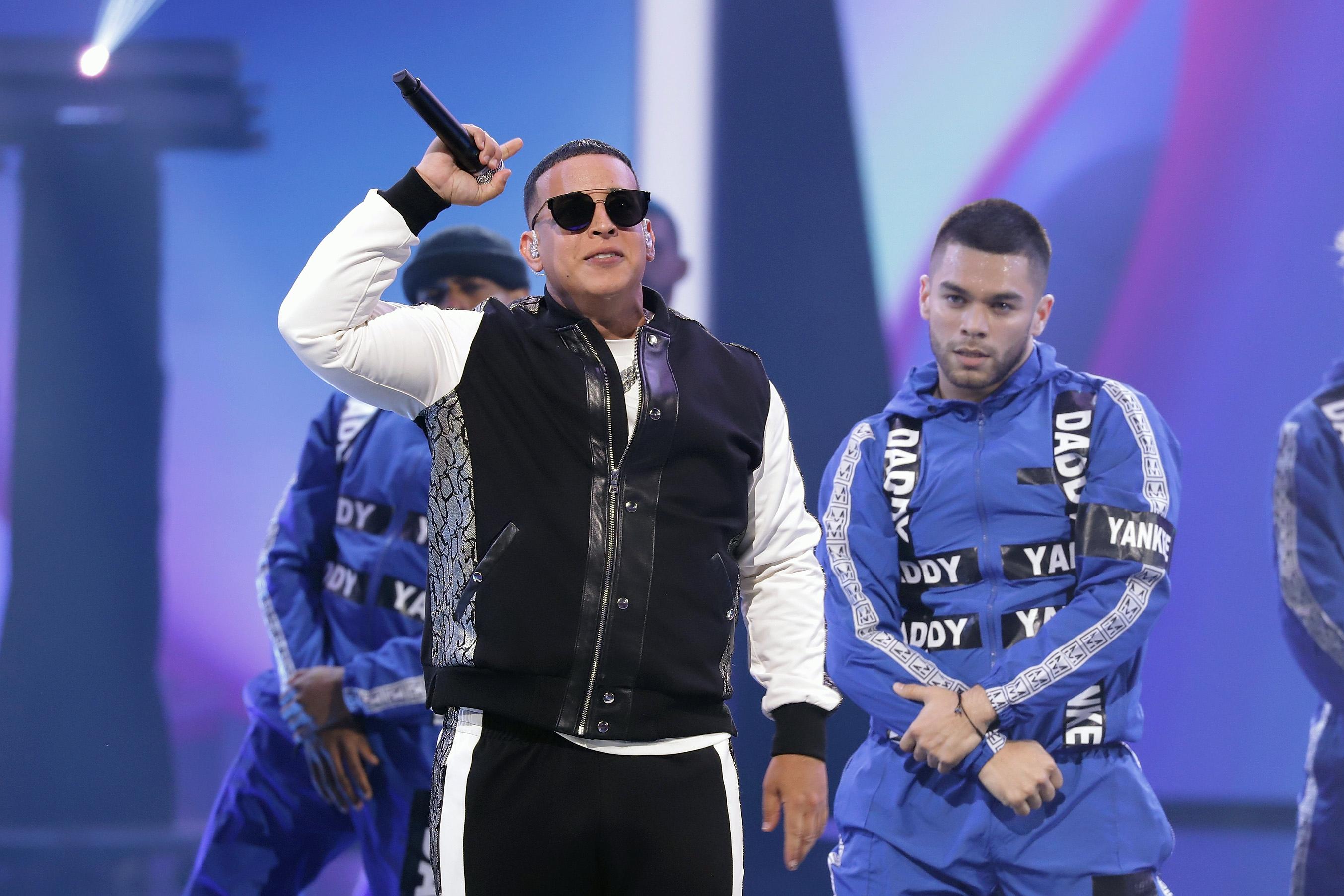 Premio Lo Nuestro 2019: Watch Daddy Yankee's Career-Spanning Medley - Rolling Stone