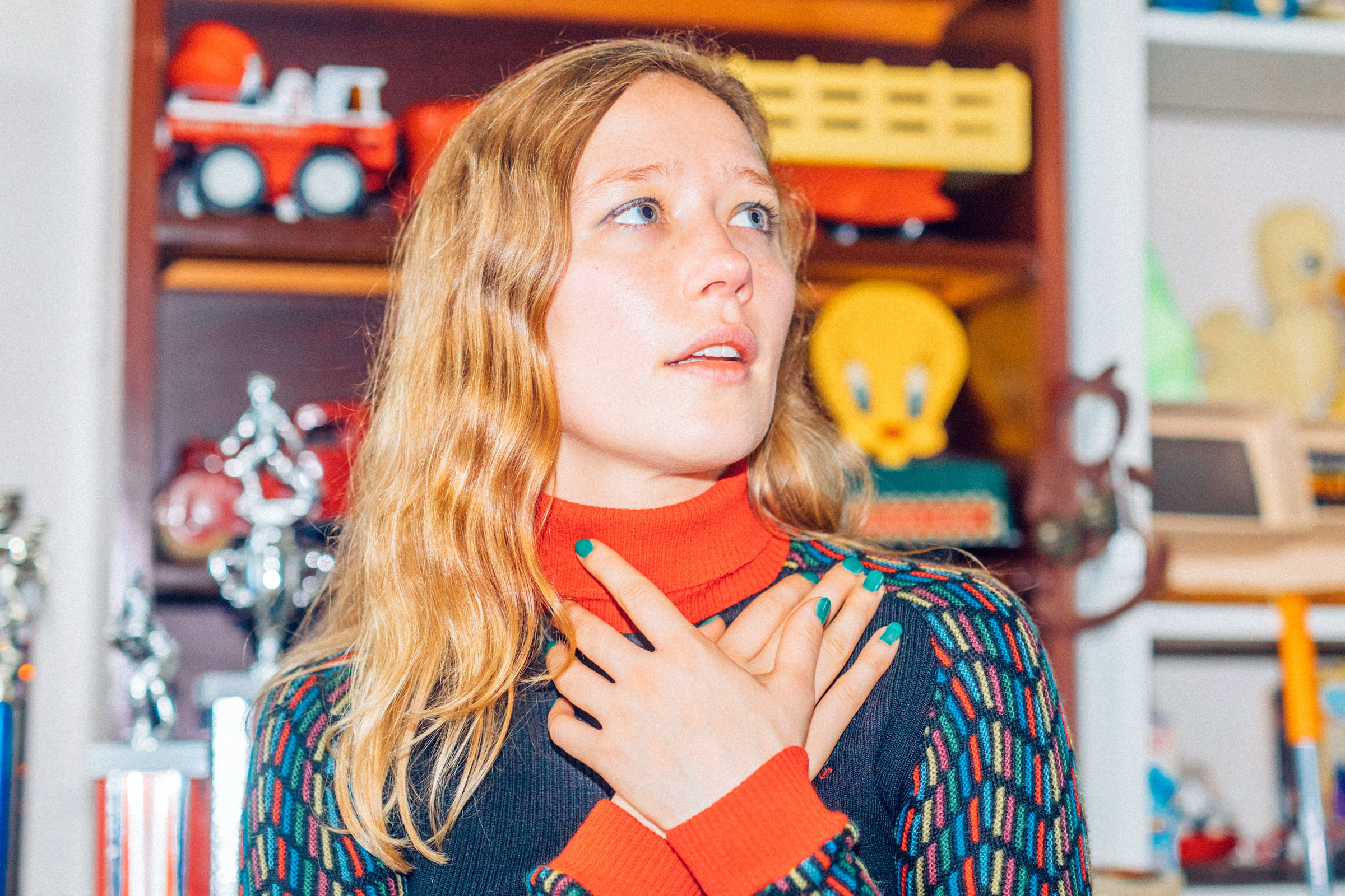 Review: Aussie Singer-Songwriter Julia Jacklin Makes Her Breakthrough With 'Crushing'