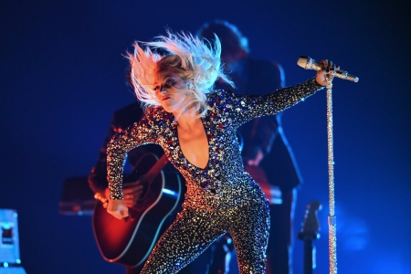 Grammys 2019 Gaga Triumphs Dua Lipa Rocks Jennifer Lopez