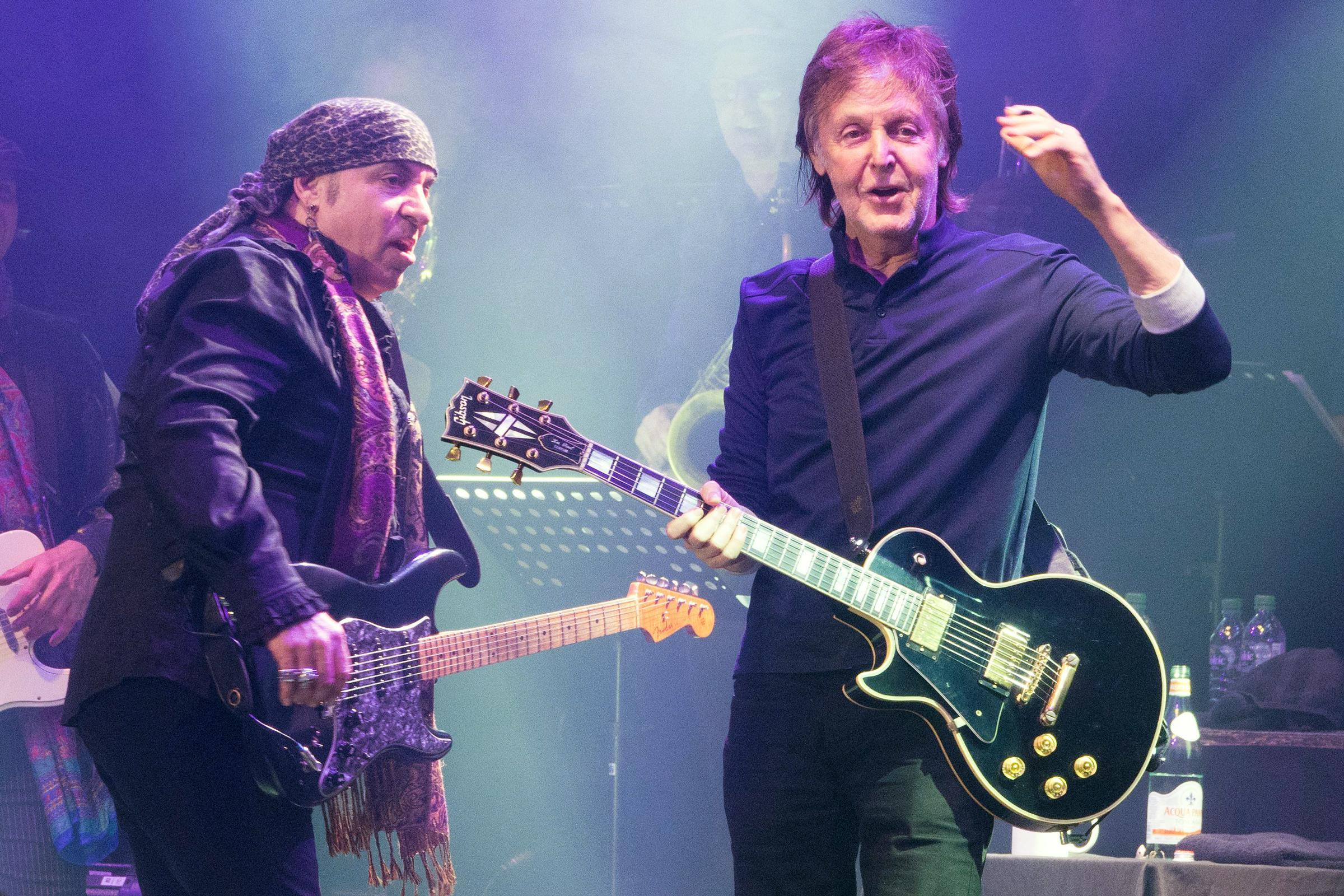 Steven Van Zandt Left With Sir Paul Mccartneysteve Van Zandt Performing At The Roundhouse