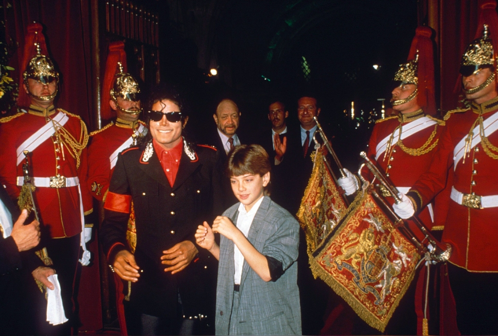 MICHAEL JACKSON AND JIMMY SAFECHUCKMICHAEL JACKSON PARTY AT THE GUILDHALL IN LONDON, BRITAIN - 1988