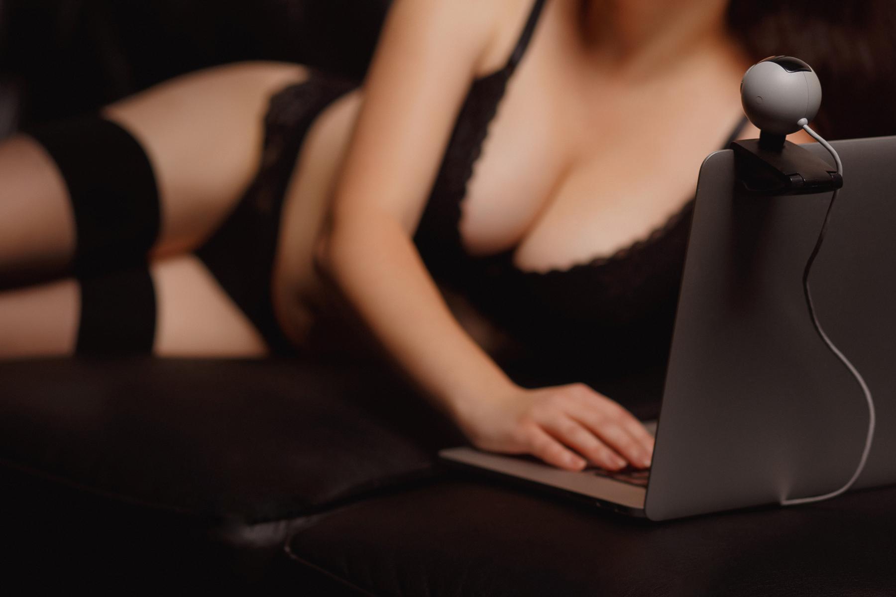 Первый раз обучение сексу онлайн