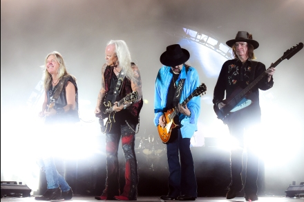 lynyrd skynyrd expand their farewell tour rolling stone. Black Bedroom Furniture Sets. Home Design Ideas