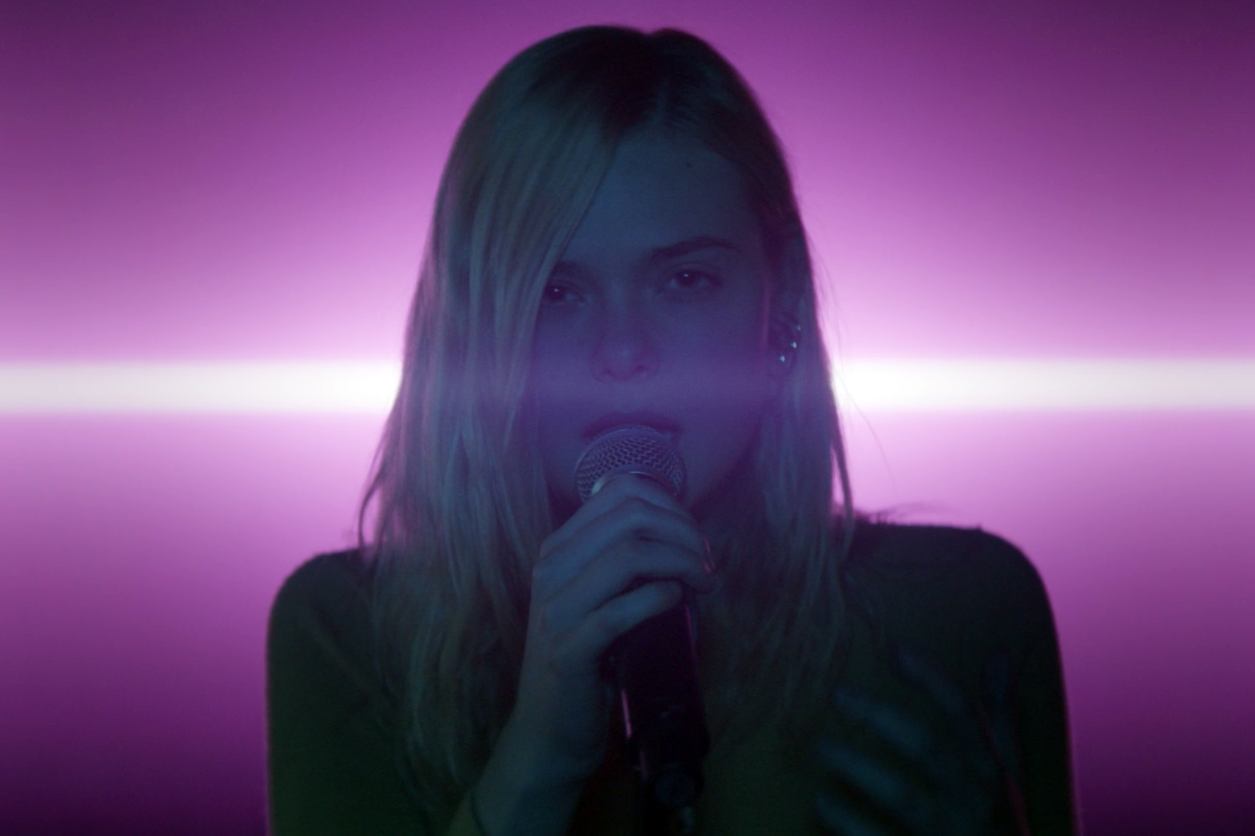 Watch Elle Fanning Sing Ellie Goulding's 'Lights' in New 'Teen Spirit' Trailer