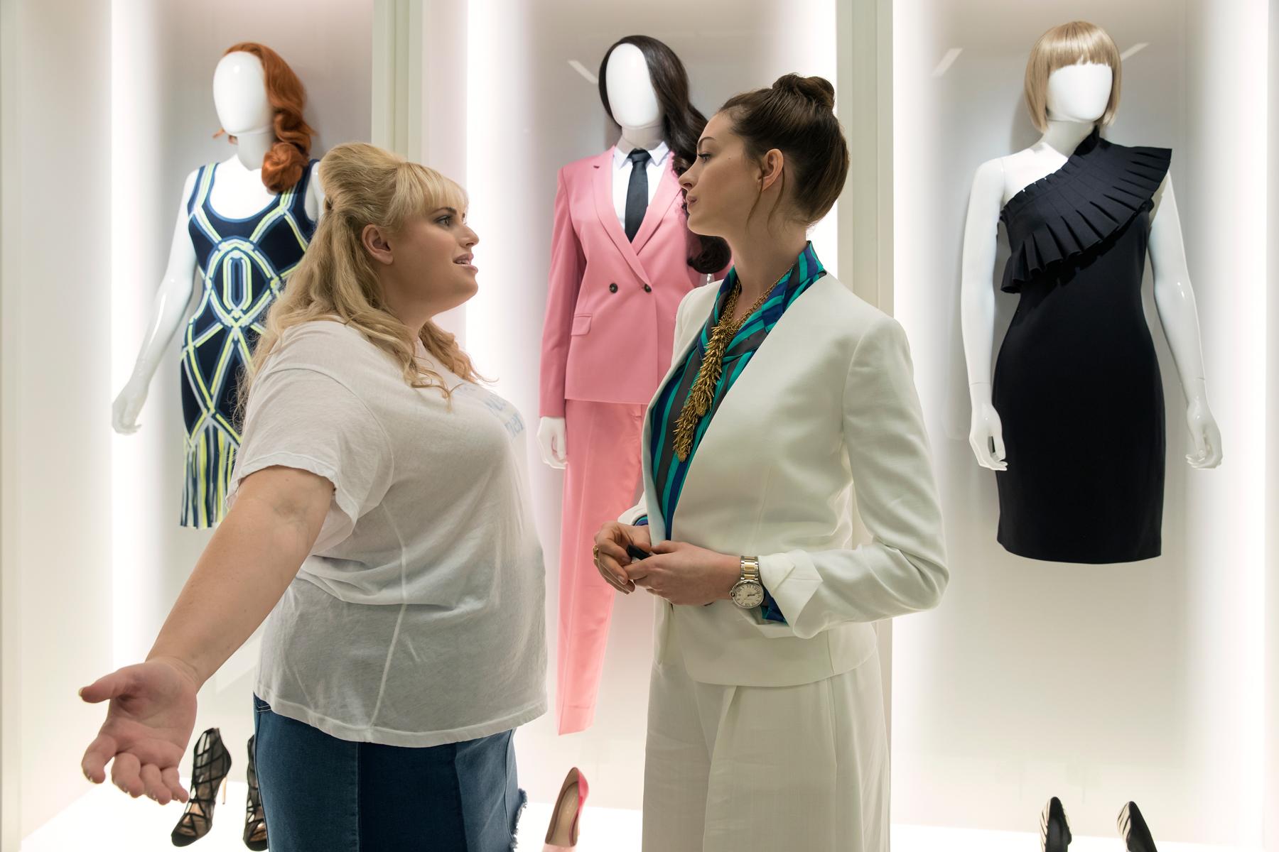 Watch Anne Hathaway, Rebel Wilson Kick Off Scam Season in 'The Hustle' Trailer