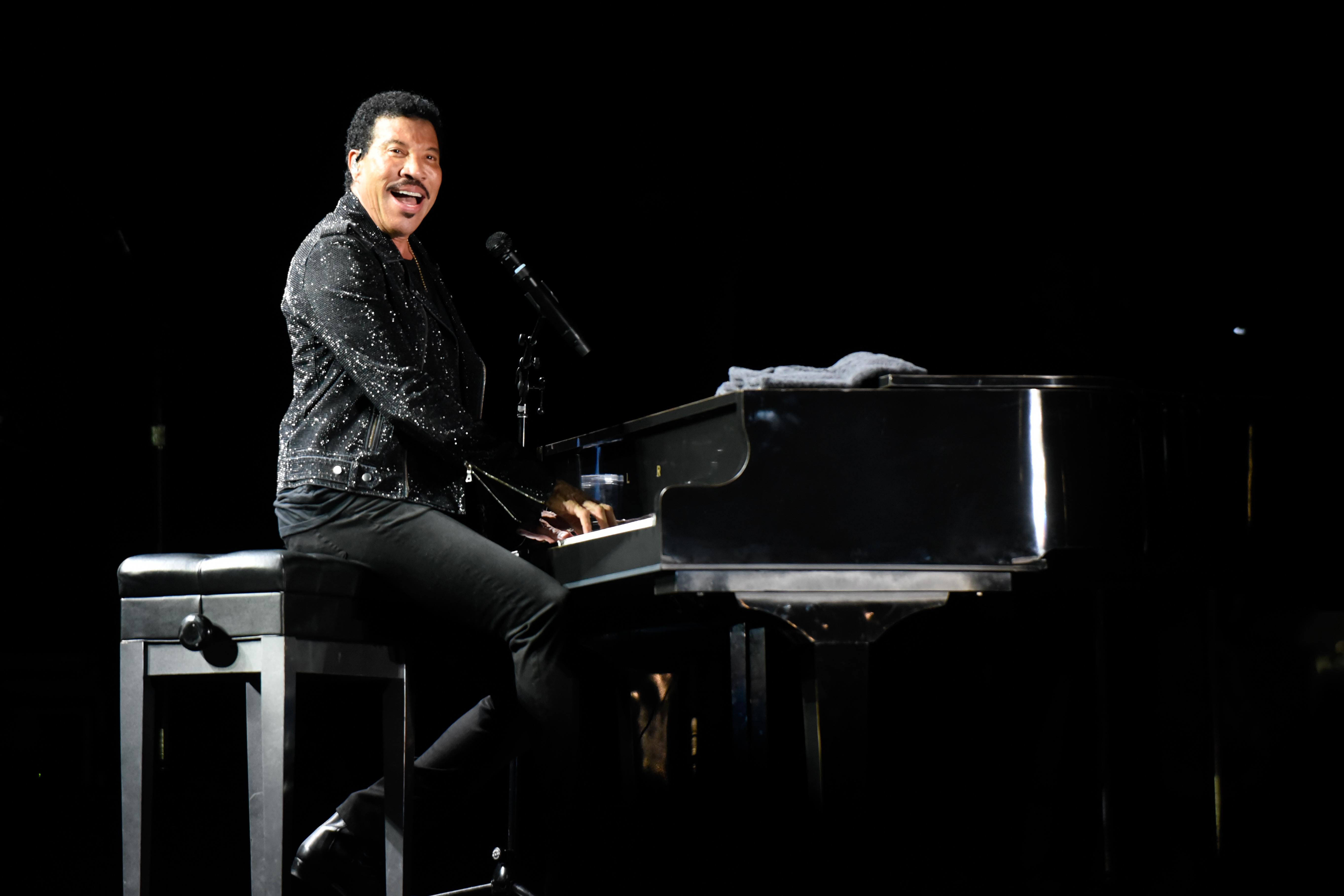 Lionel Richie Announces 'Live From Las Vegas' LP, North