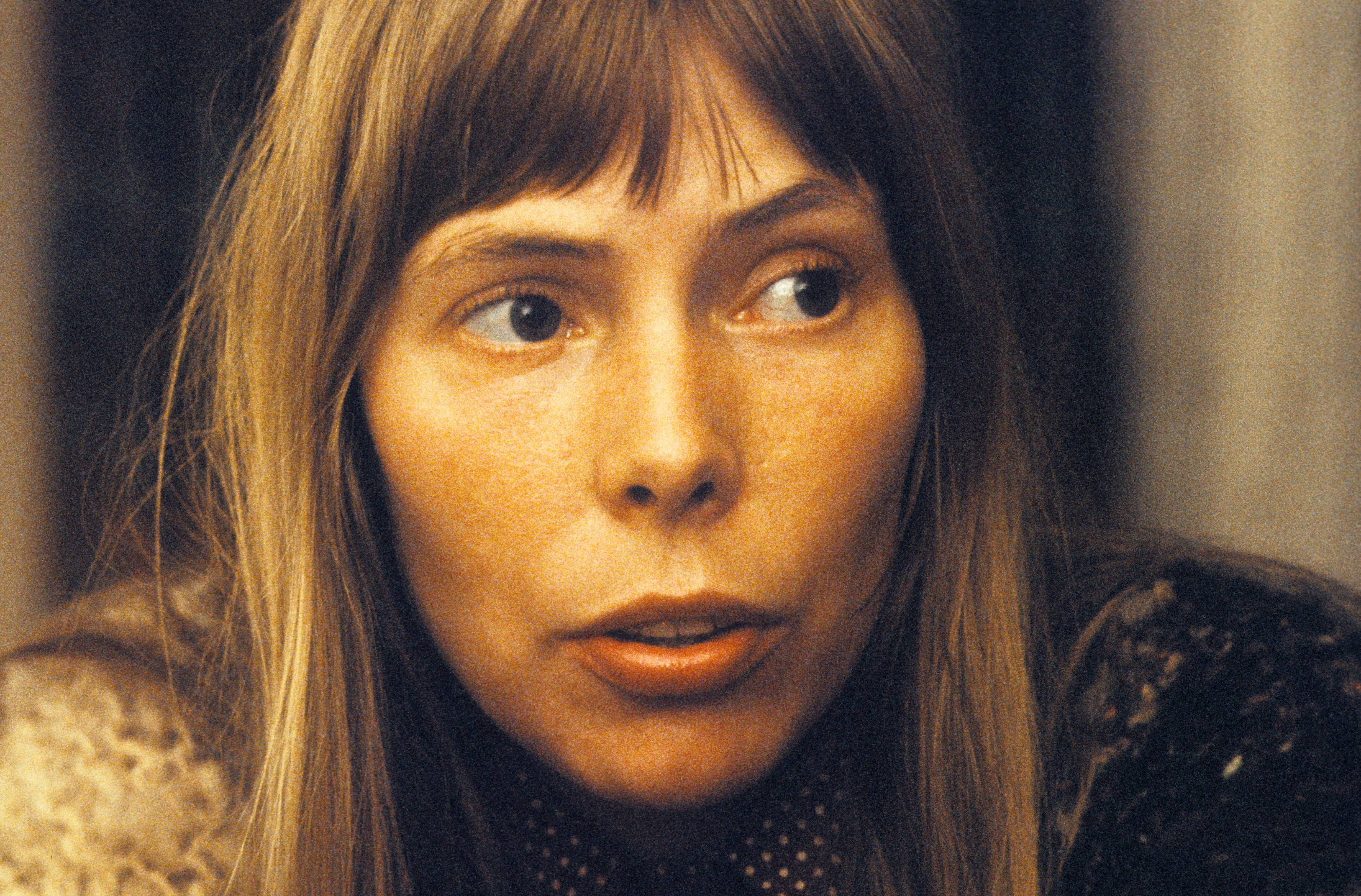 Joni Mitchell's Rare Book of Handwritten Lyrics, Watercolor Paintings to Be Reprinted