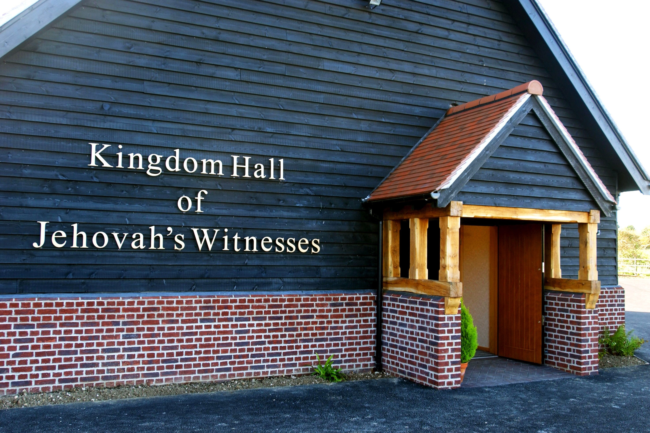 Jehovah's Witnesses Accused of Mishandling Child Sexual Abuse Claims