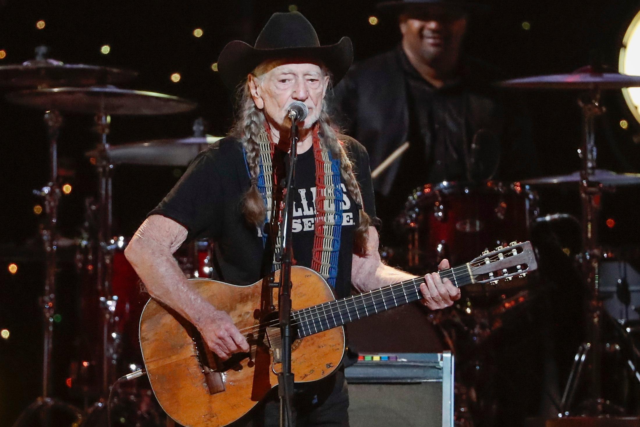 362d6192 Outlaw Music Festival Tour 2019 Lineup: Willie Nelson, Phil Lesh ...