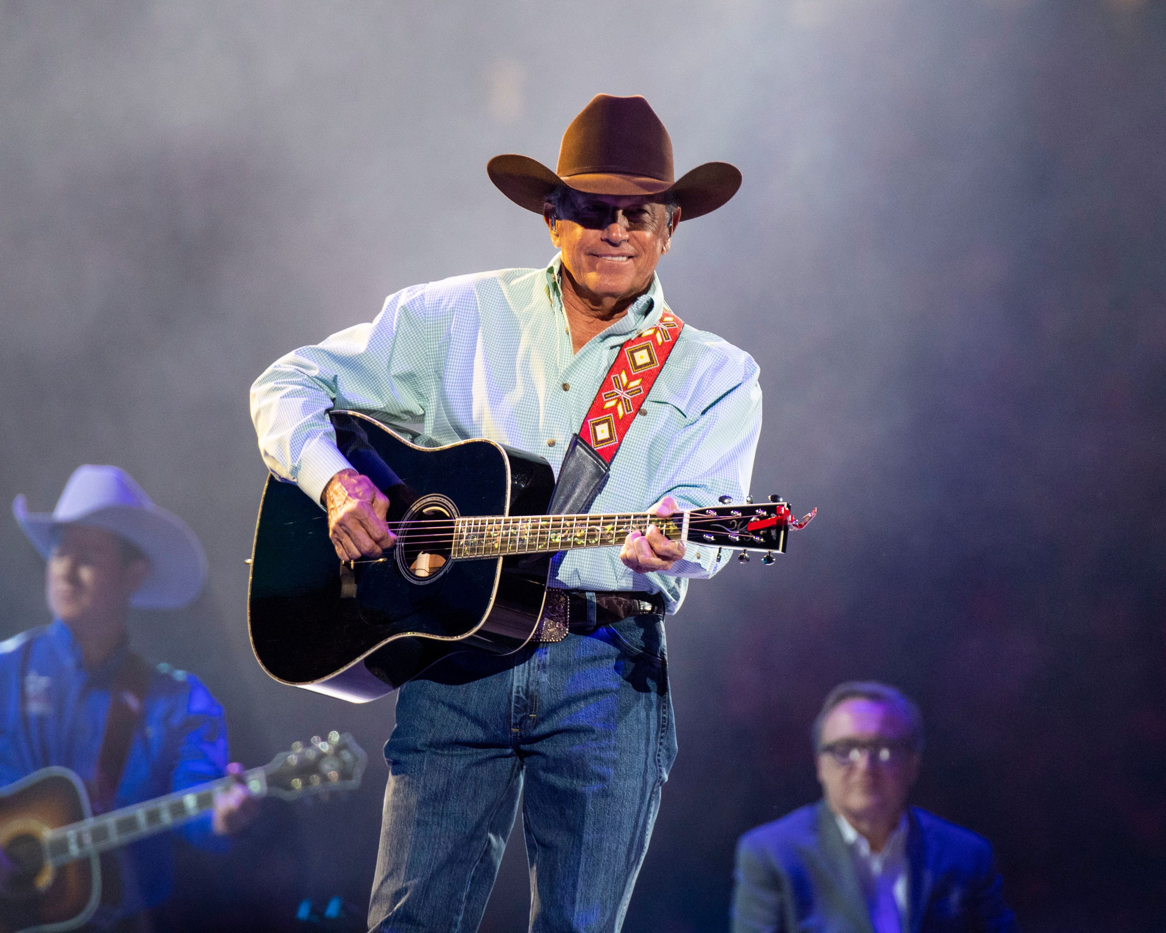 George Strait, Blake Shelton Announce Stadium Show