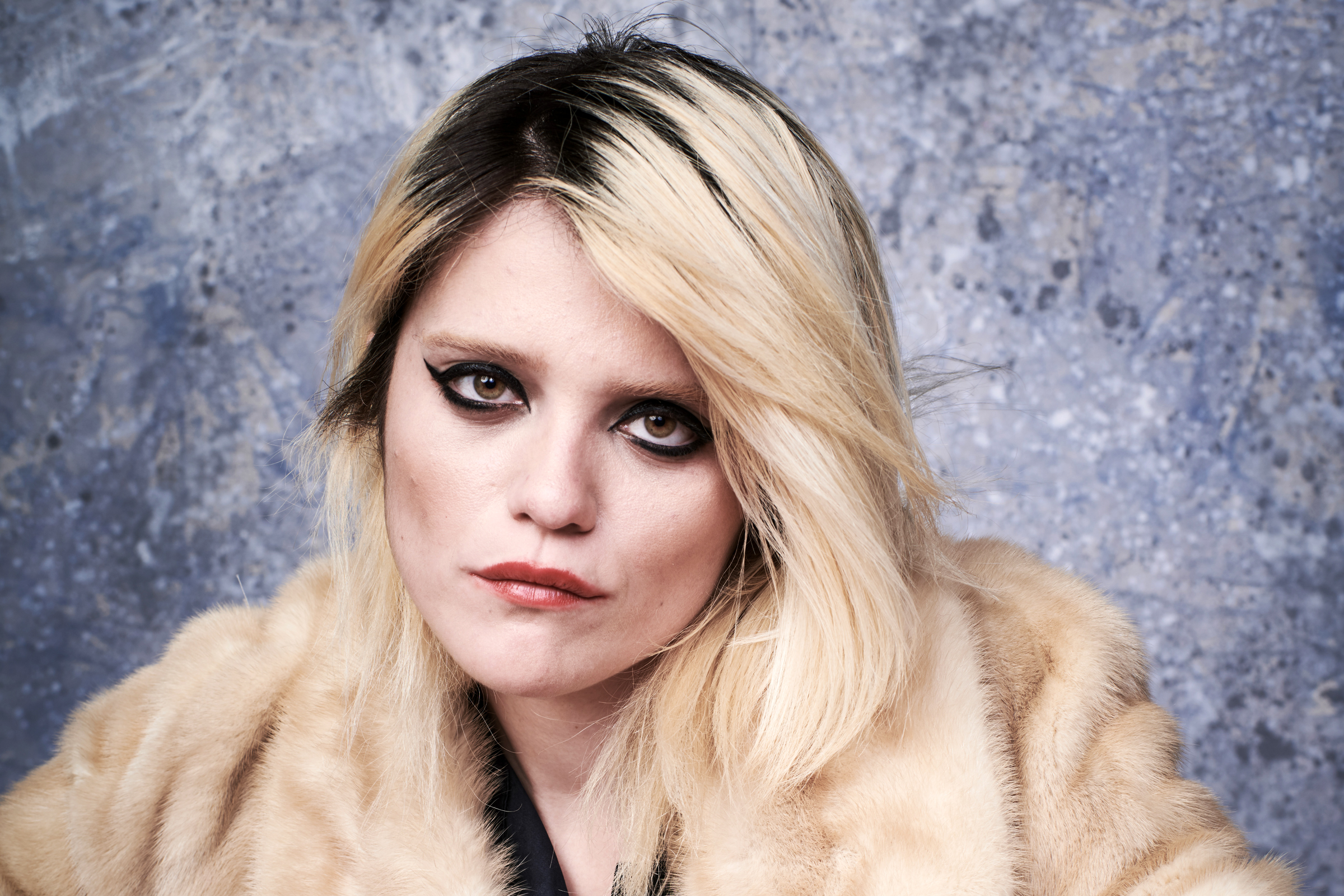 Sky Ferreira's 'Downhill Lullaby' is a Song You Need to ...