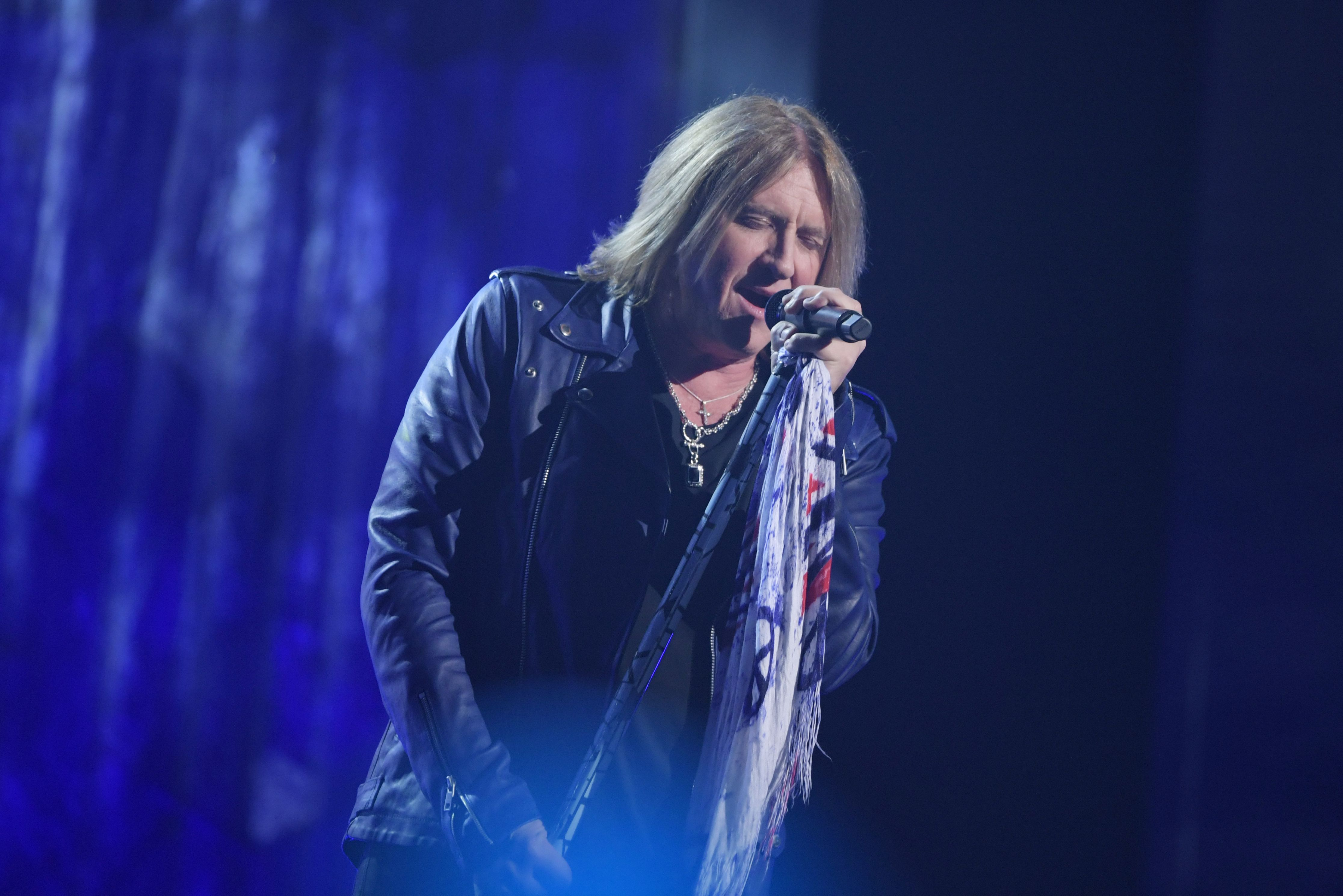 Def Leppard Compile Nineties LPs, Rarities for 'Volume Two