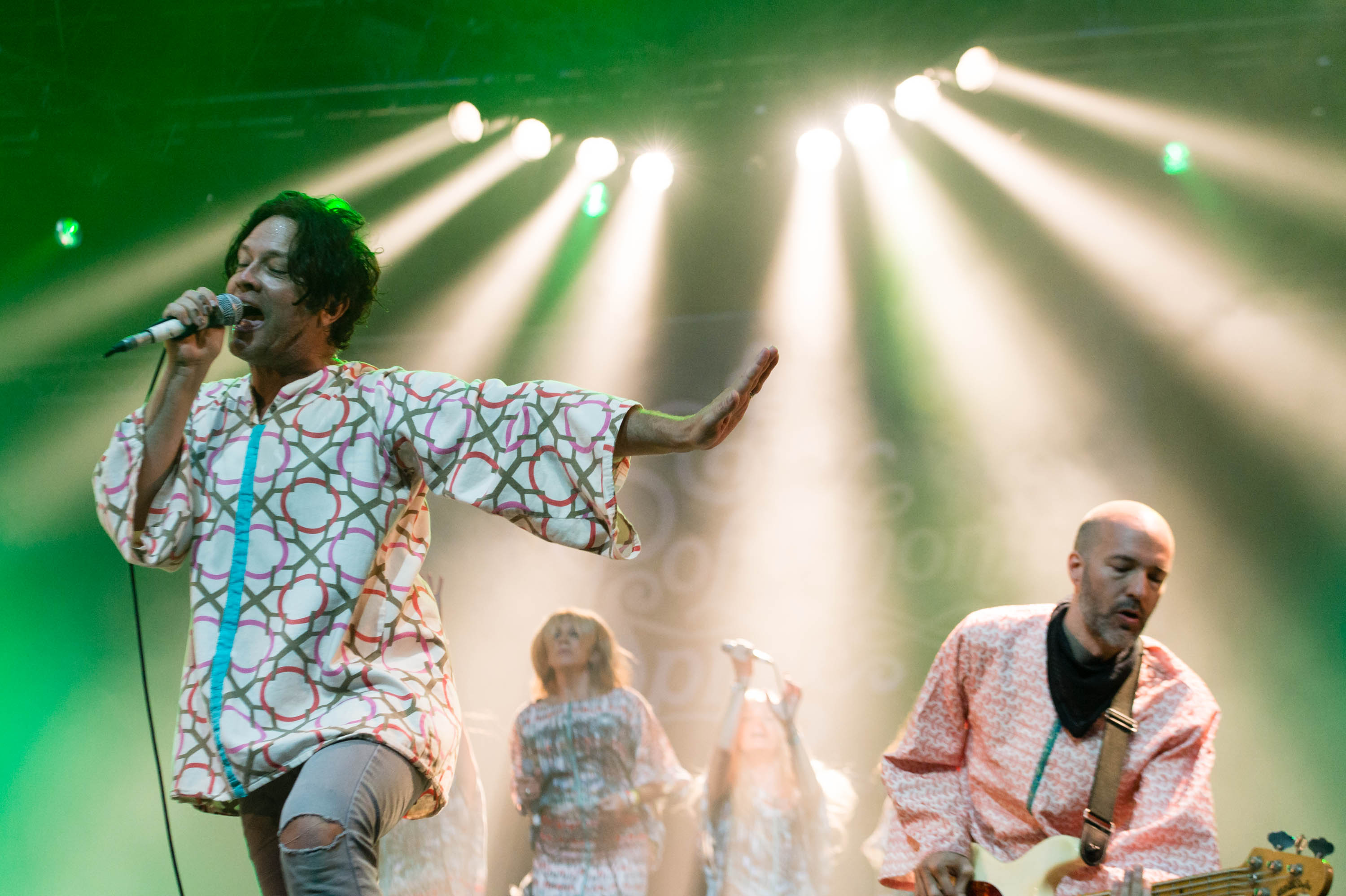 Polyphonic Spree Announce #CareForTheCaravan Show Benefiting Border Refugees, Migrants