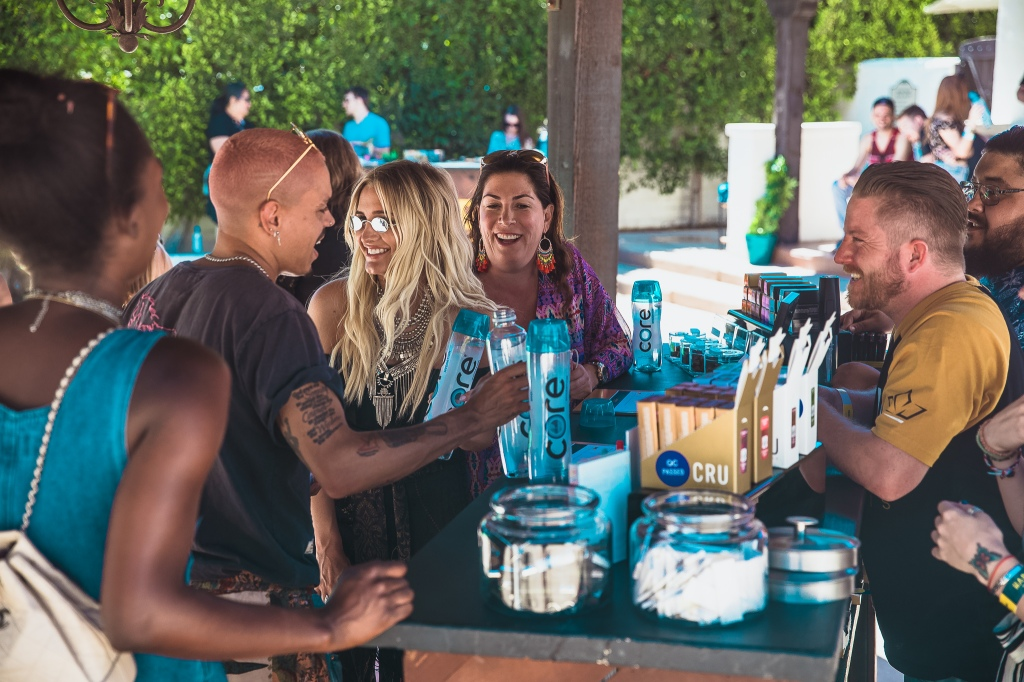 Ashlee Simpson and Evan Ross enjoy refreshments by the pool