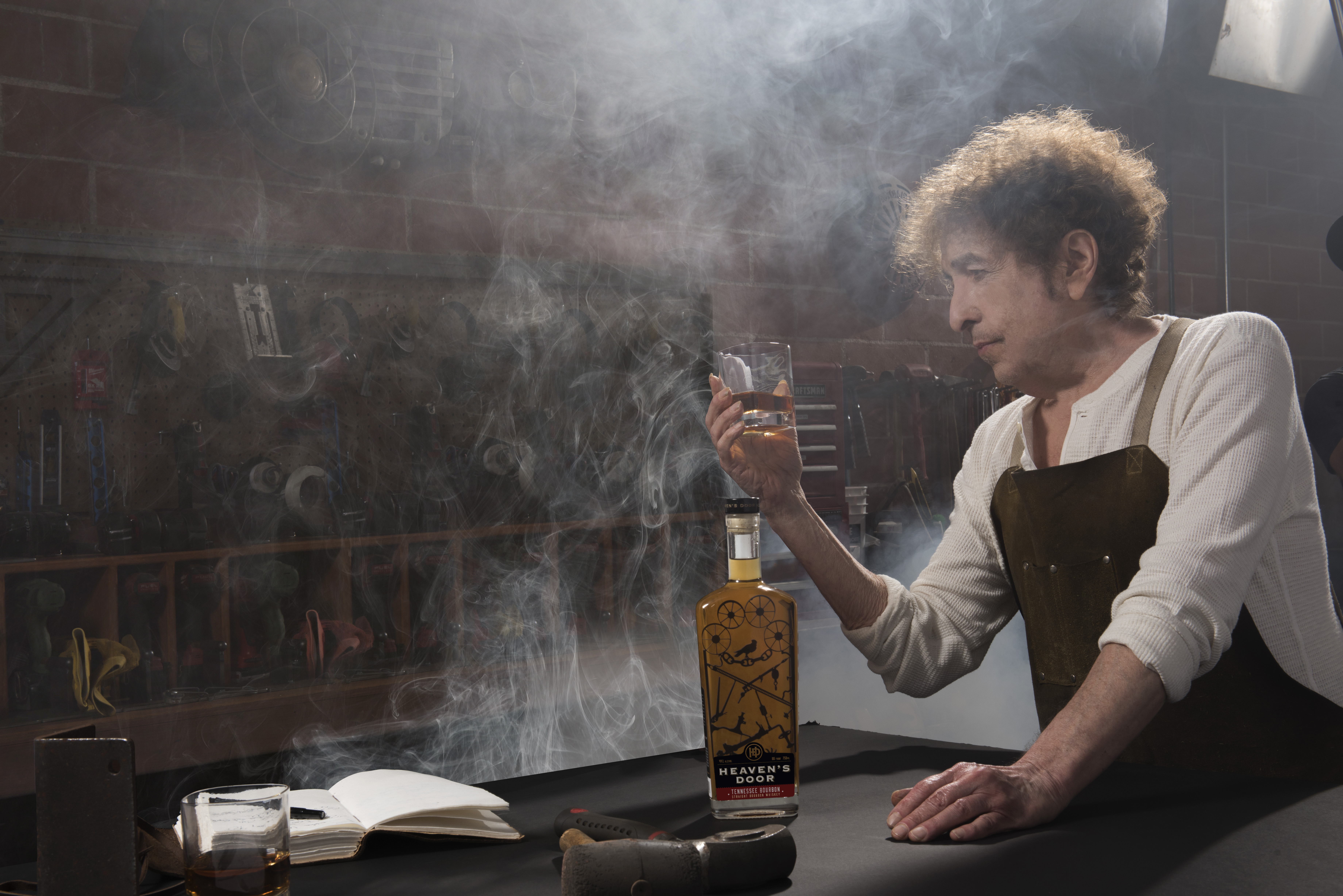 Bob Dylan Tour Dates 2020 Bob Dylan's Heaven's Door Whiskey Distillery to Open in Nashville