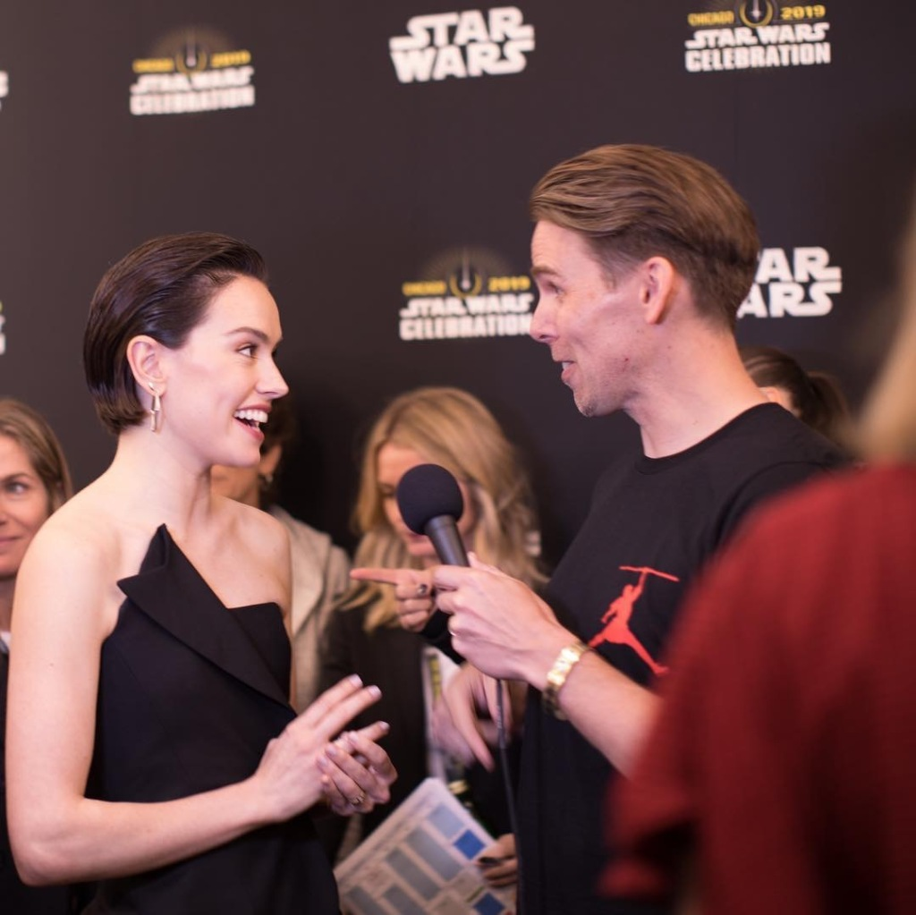 Daisy Ridley speaks with the press
